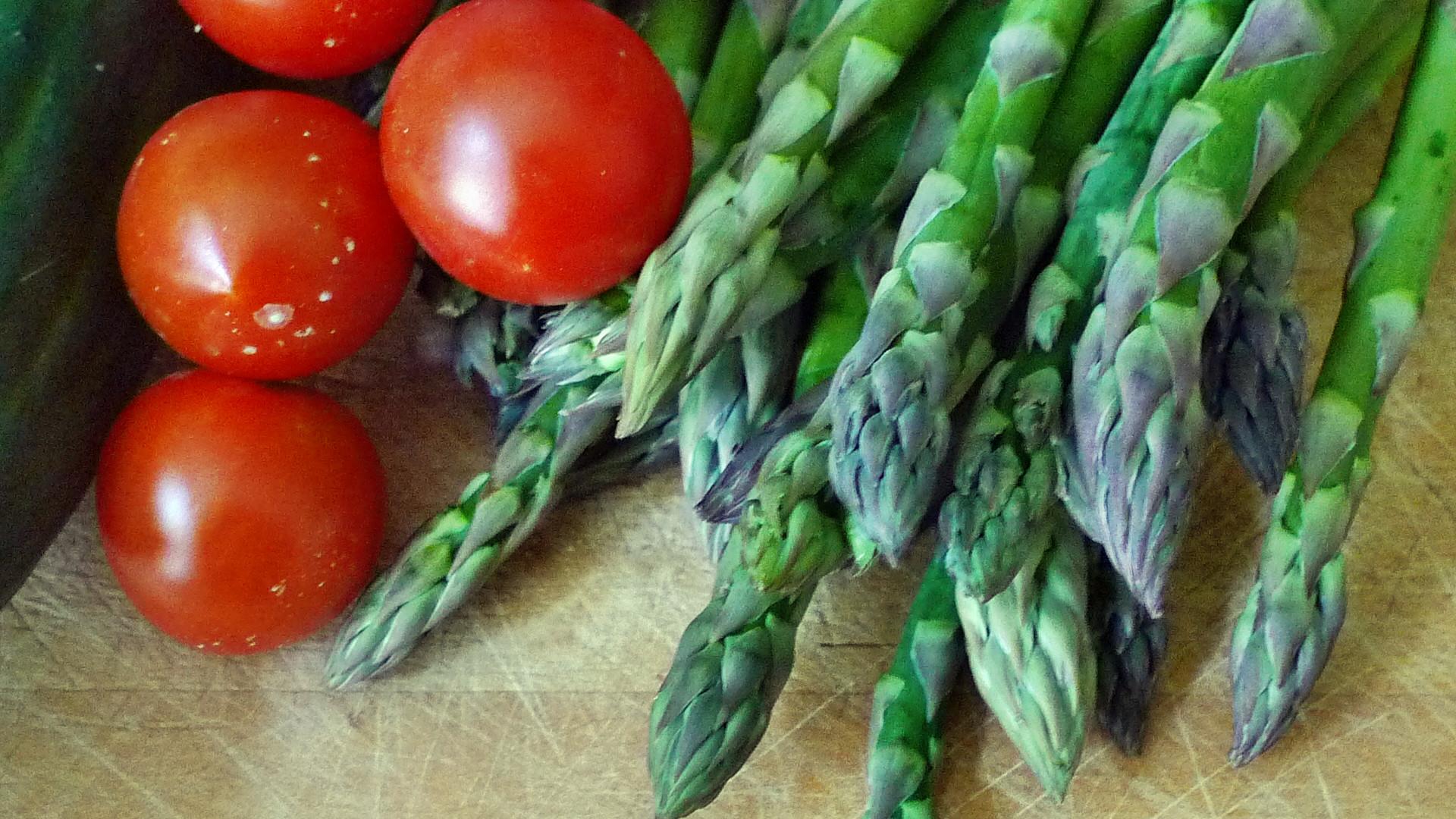 Spargel,Zucchini,Tomate,Gurkensalat,Kartoffeln -3.5.15   (2)