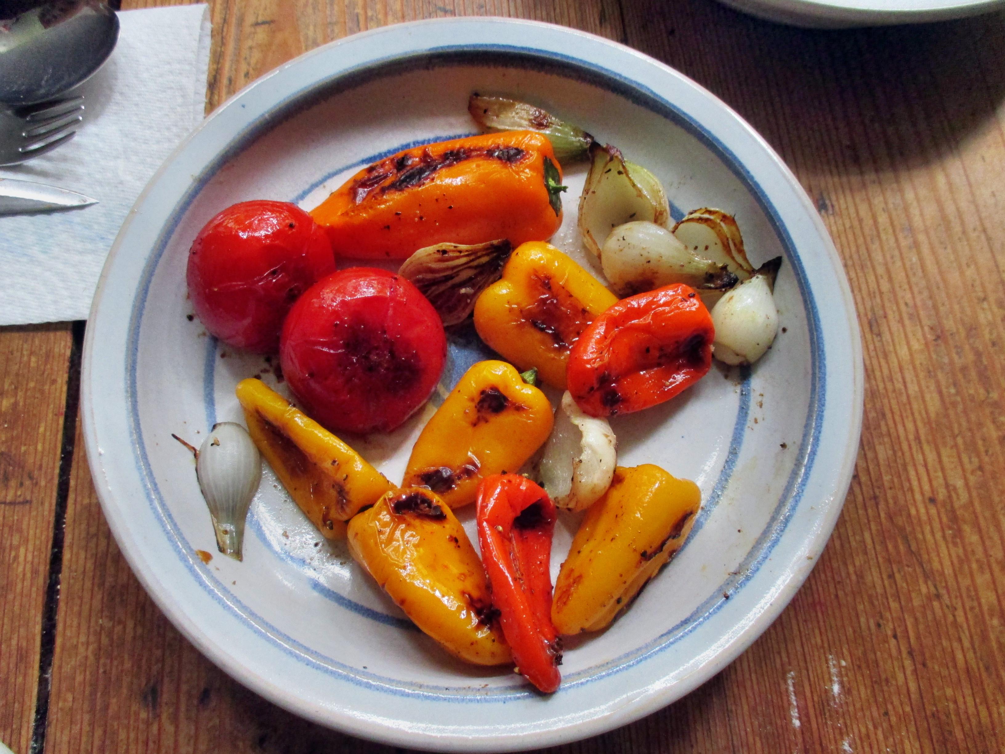 selbstgemachte Nudeln,Champignon,Bratpaprika,Salat -21.6.15   (9)