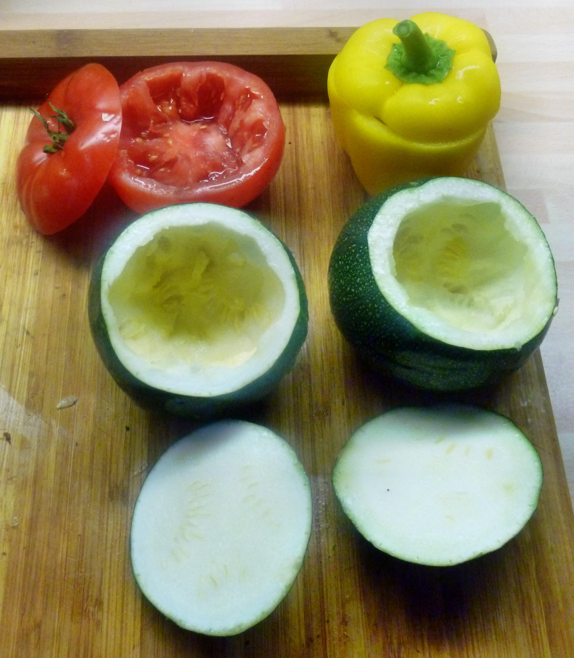 Gefüllte Zucchini - 19.7.15   (2)