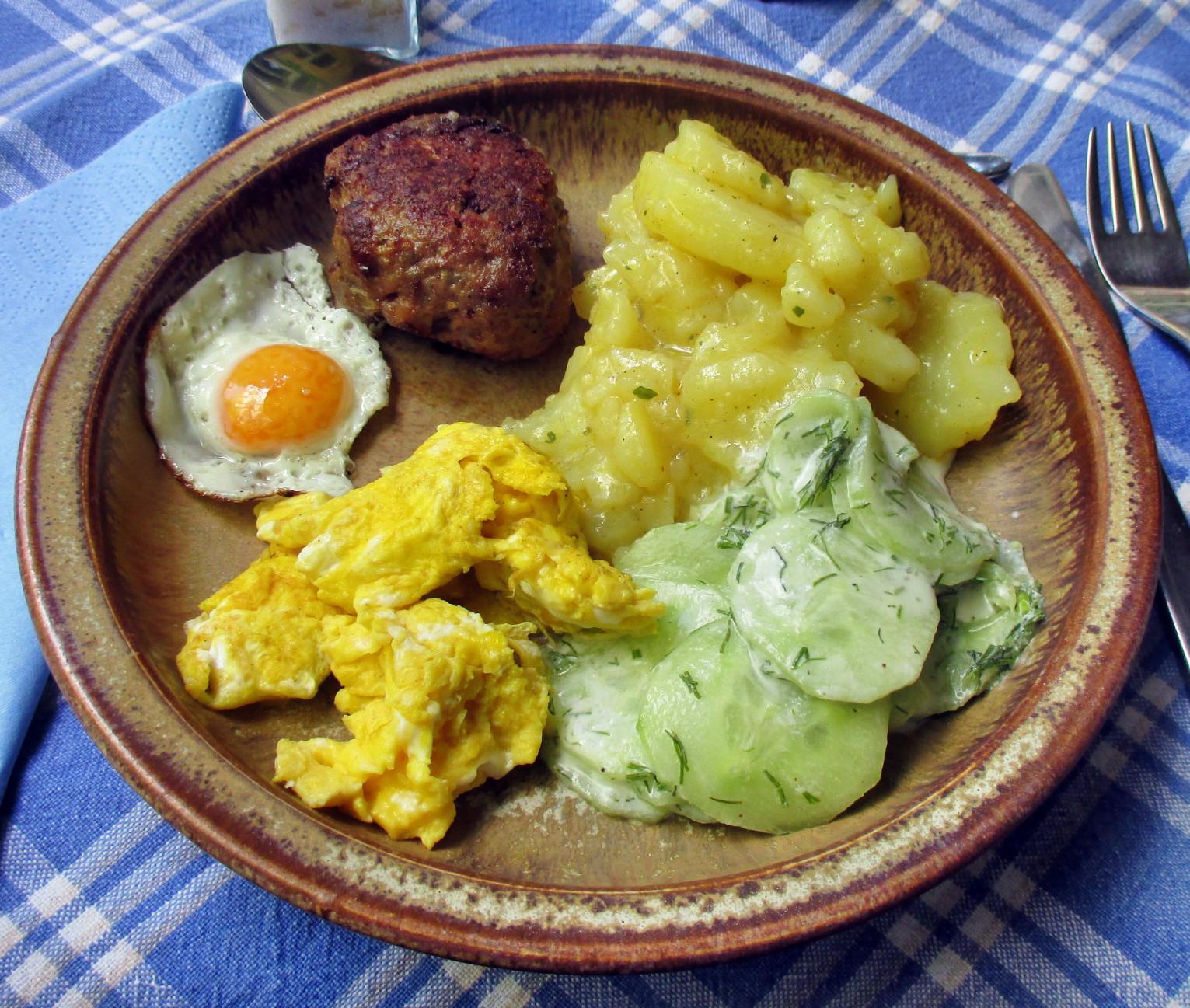 Kartoffelsalat,Ei,Gurkensalat - 25.7.15   (16)