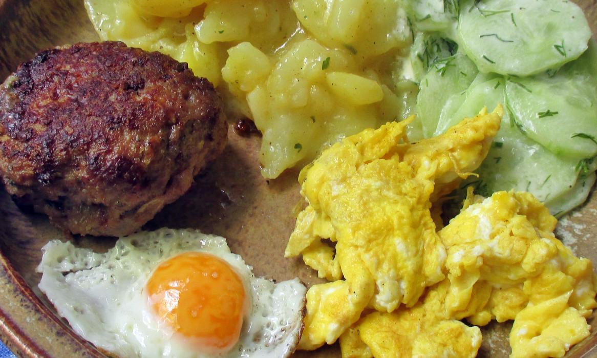 Kartoffelsalat,Ei,Gurkensalat - 25.7.15   (17)