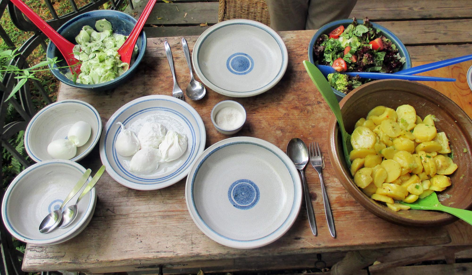 Kartoffelsalat,pochiertes Ei,Salate - 12.7.15   (6)