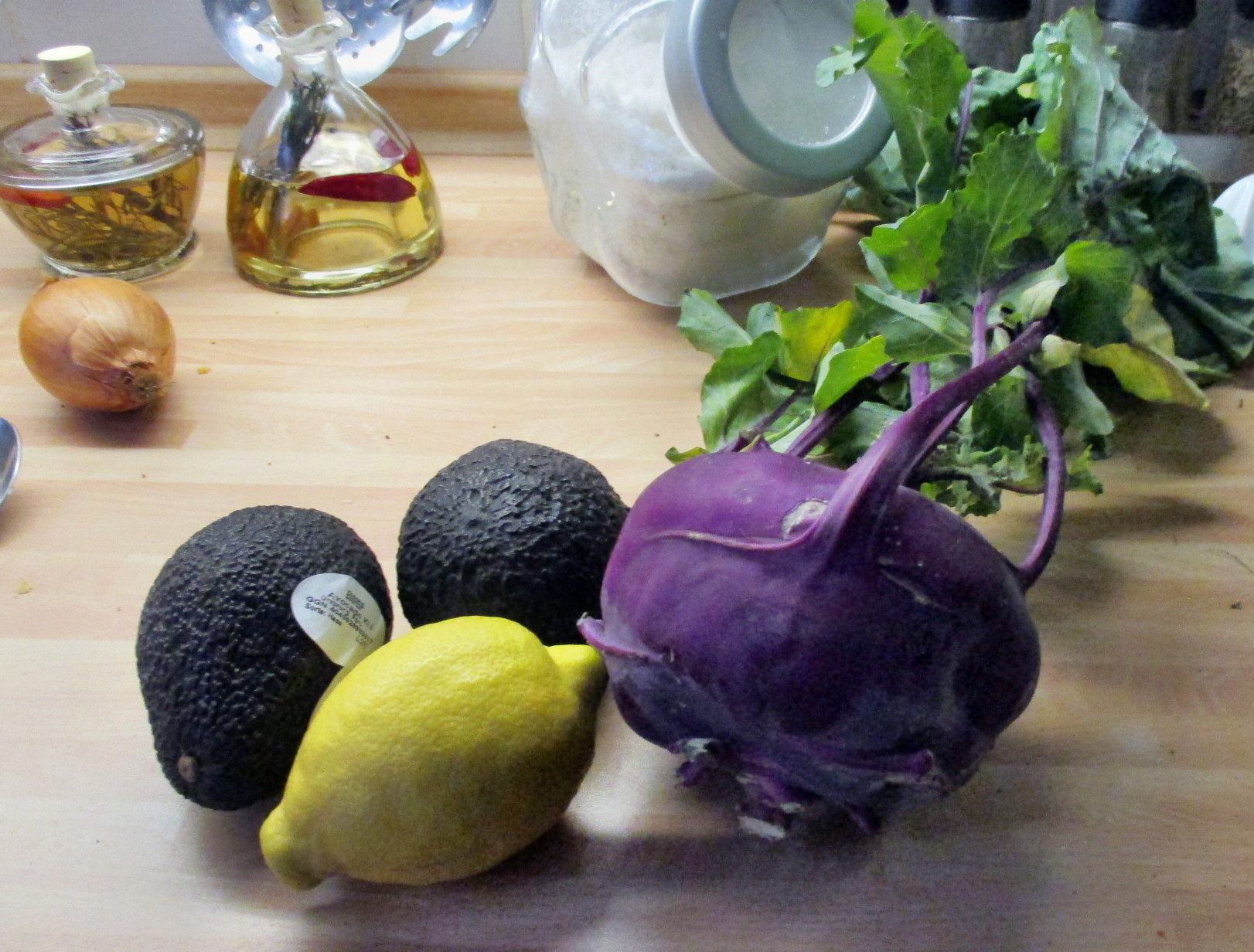 Kohlrabigemüse,Rote Betesalat,Guacamole,Karoffeln-15.7.15 (4)