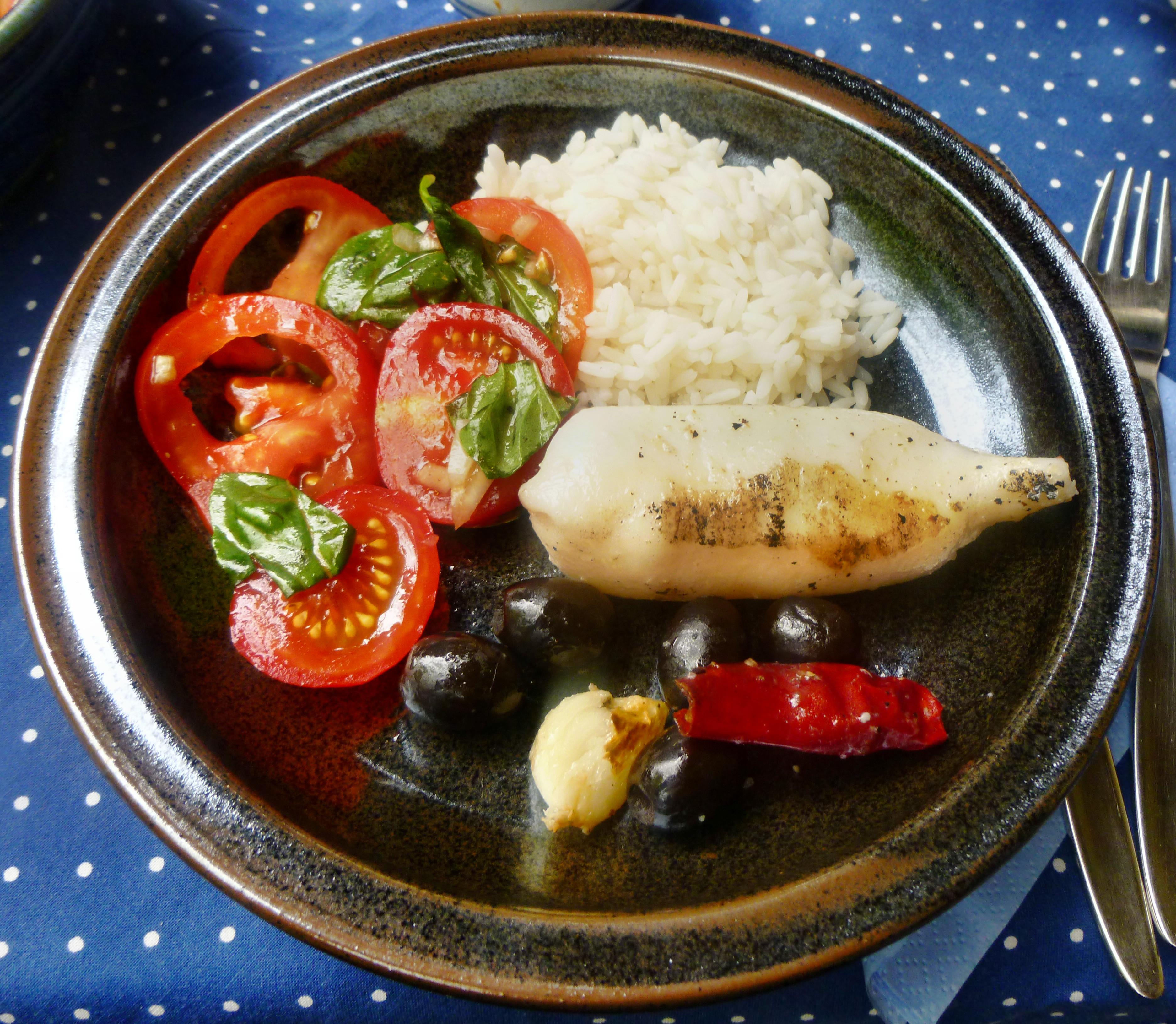 Tintenfisch Tuben,Reis,Tomatensalat,Melone -18.7.15   (9)