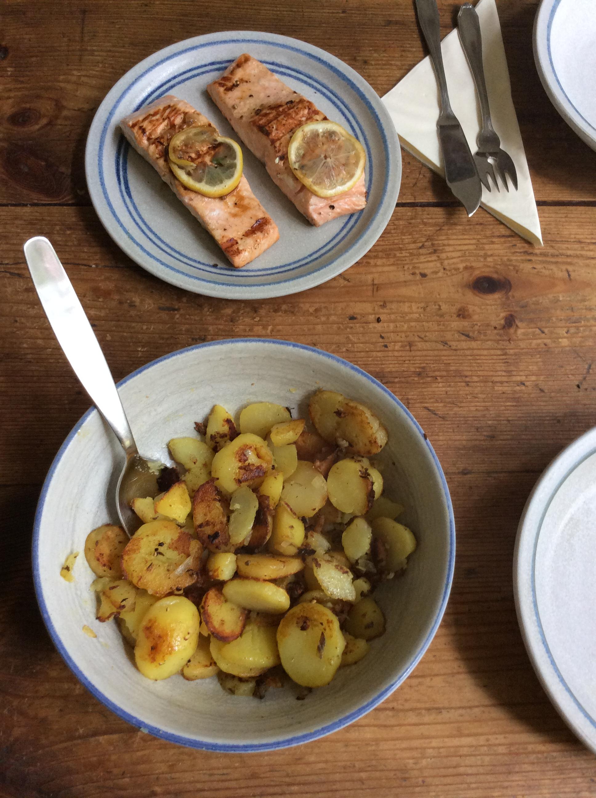 Lachs,Bratkartoffel,Salat. - 28.8.15   (7)