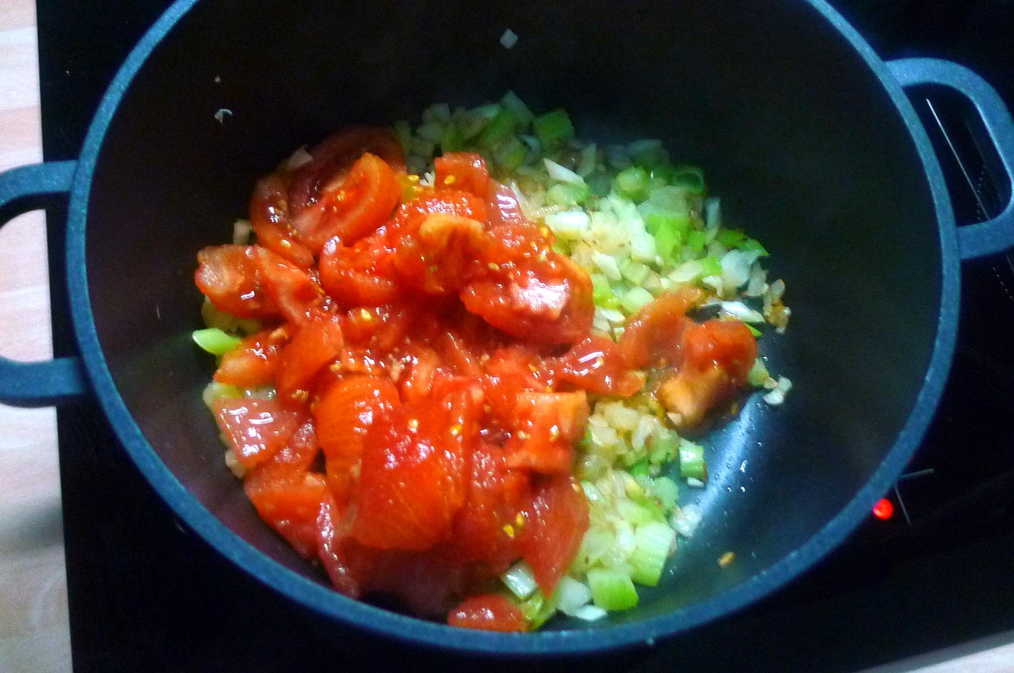 Zucchinispagetthi,Tomatensauce,veganvegetarisch -15.8.15 (6)