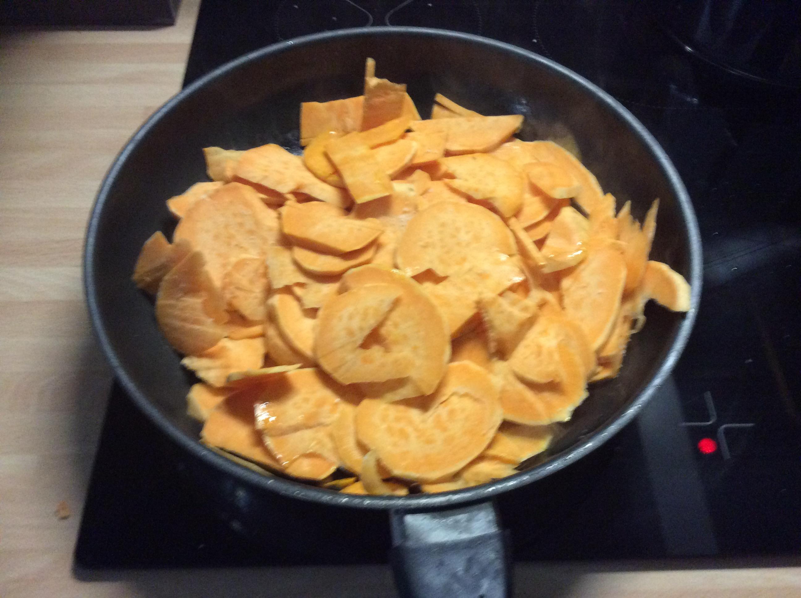 Süßkartoffeln,Lachsforelle,Salatr,- 21.915 (1a)