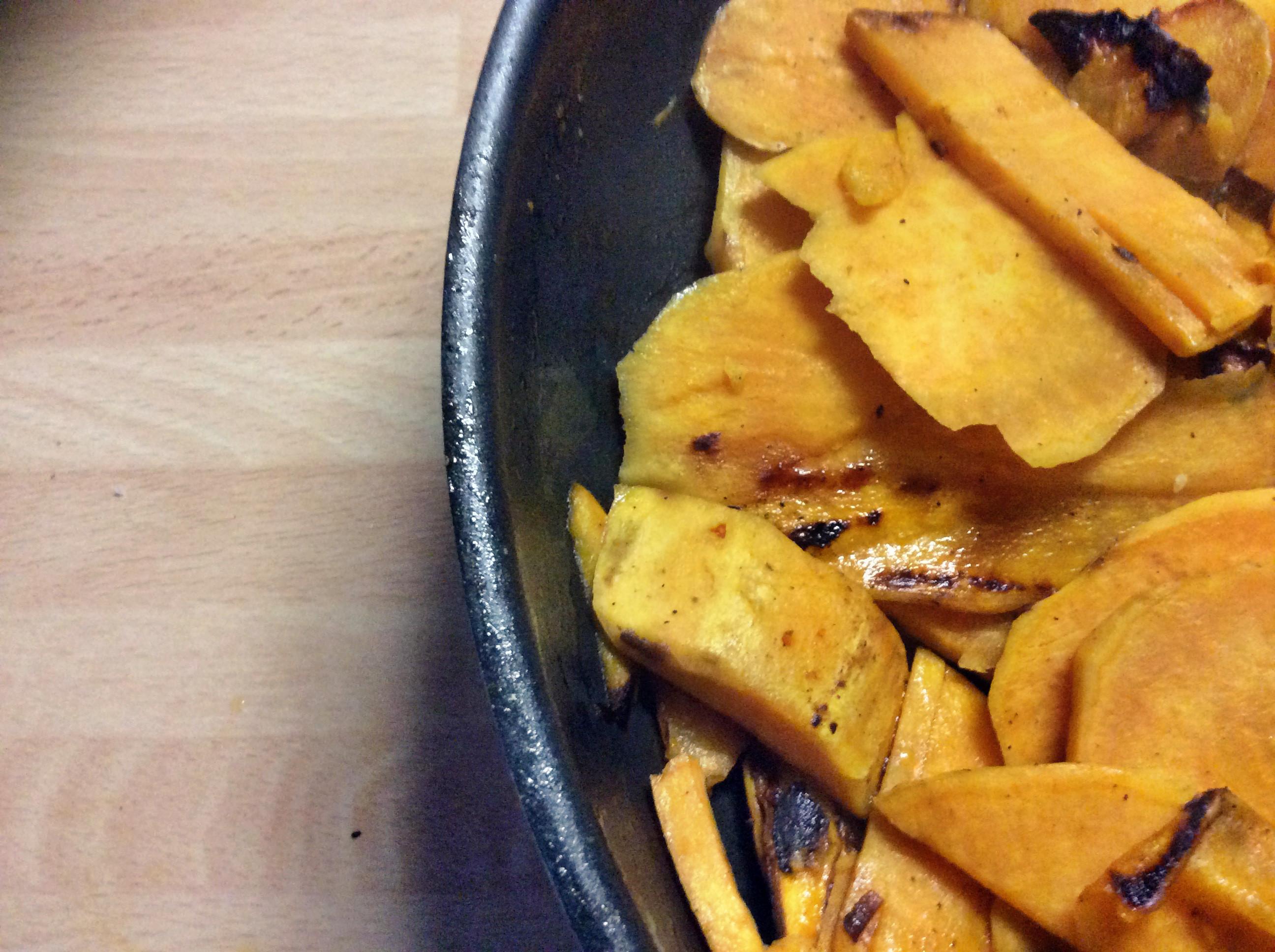 Süßkartoffeln,Lachsforelle,Salatr,- 21.915 (1b)