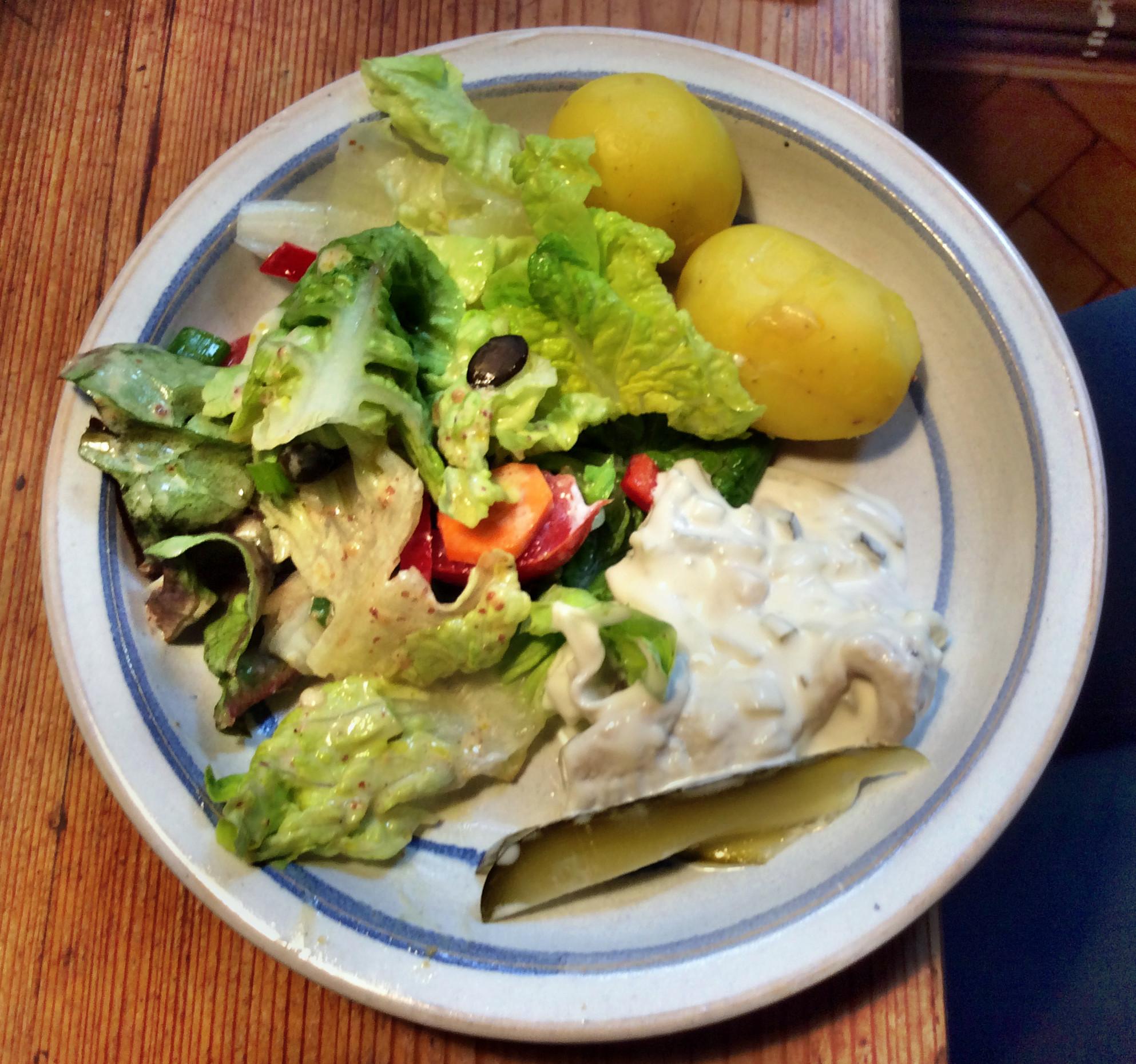 Marinierter Hering,gemischter Salat,Kartoffeln - 7.10.15   (4)