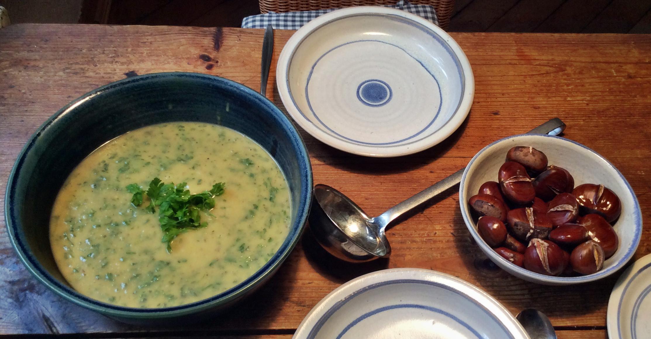 Petersilien,Pastinaken Suppe mit Maronen -  14.10.15   (15)