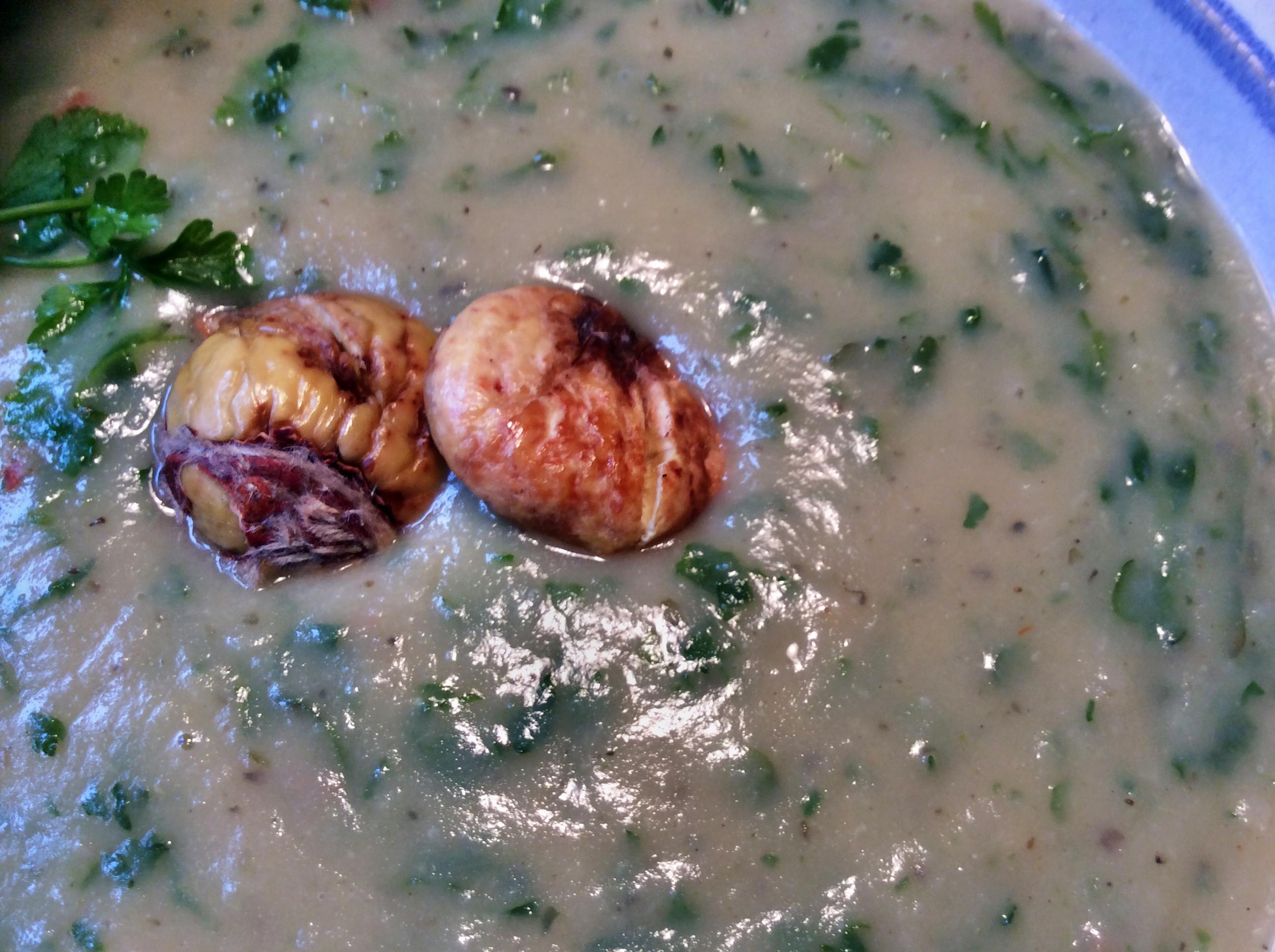 Petersilien,Pastinaken Suppe mit Maronen -  14.10.15   (17)