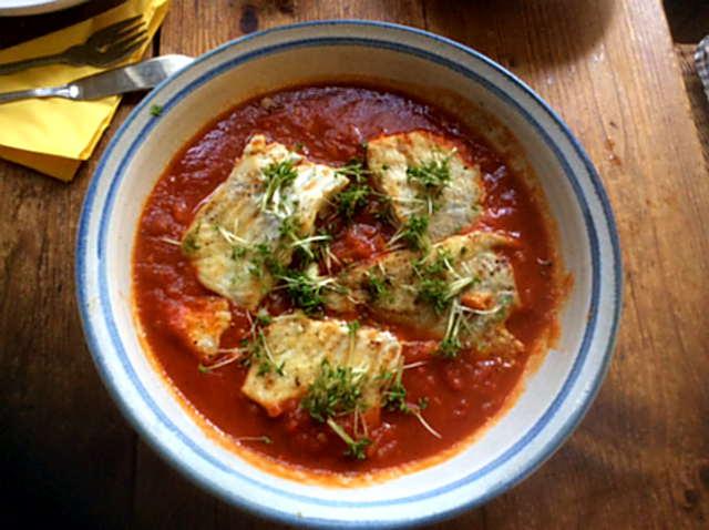 10.2.16 - Kabeljau,Tomatensoße,Salat   (2)