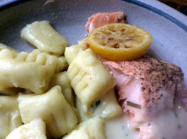 11.2.16 - Lachs,Gnocchis,Sauce,pescetarisch (1b)