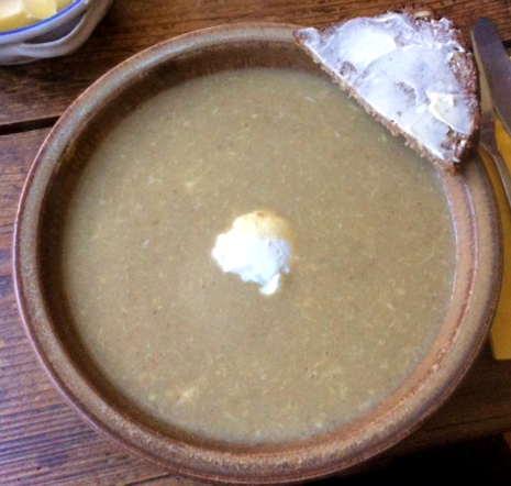 13.2.16 - Grünkernsuppe,Rote Bete,Büffelmozerella,Feldsalat,vegetarisch (2)