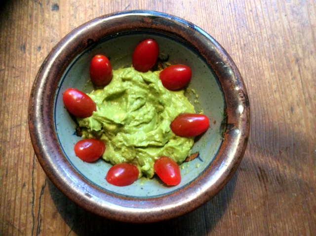 25.2.16 - Wurzelstamp,Salate,Guacamole,vegetarisch (4)