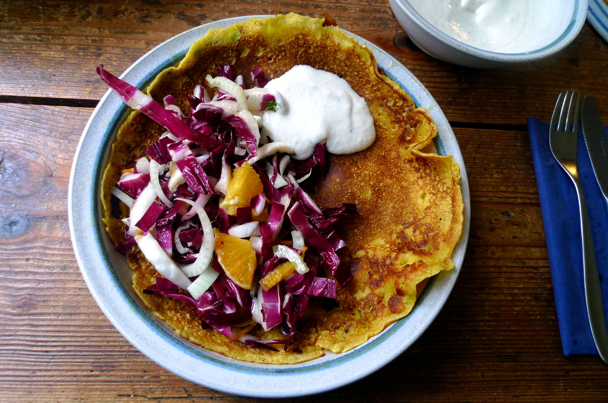7.2.16 - Kichererbsenpfannkuchen,Salat,Gewürzbirne,vegetarisch (1)