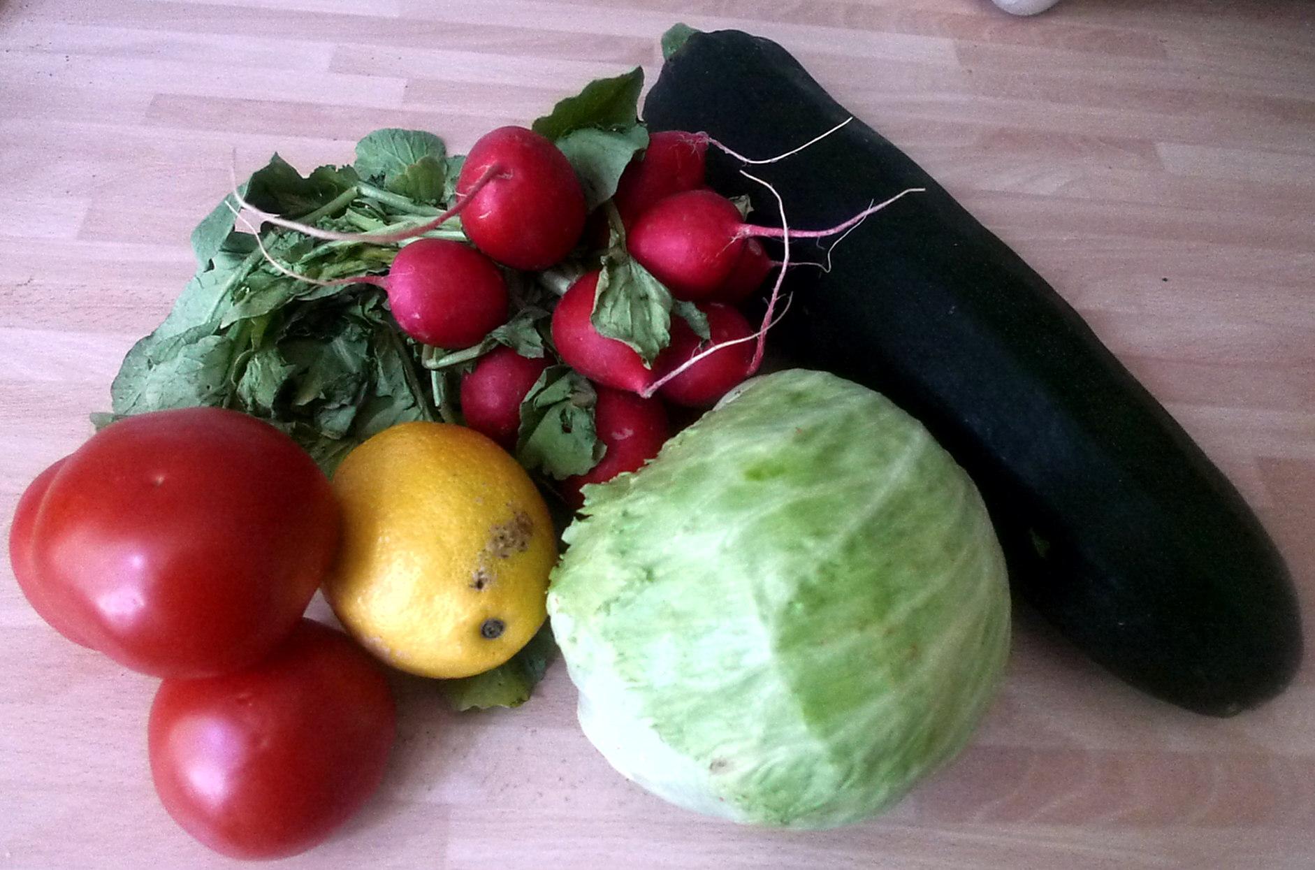 10.7.16 -. Salat,Zucchini,Dip,vegetarisch (2).JPG