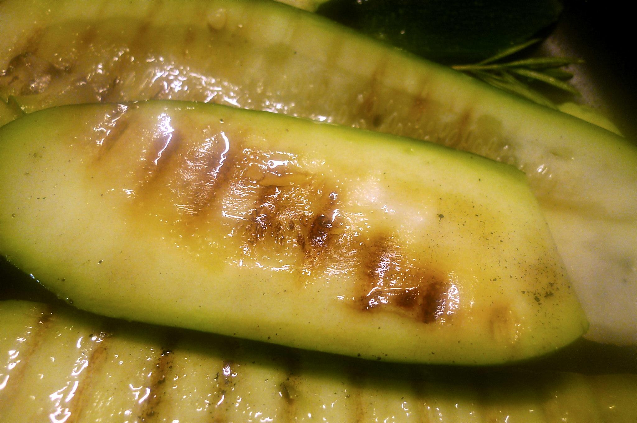 10.7.16 -. Salat,Zucchini,Dip,vegetarisch (6)