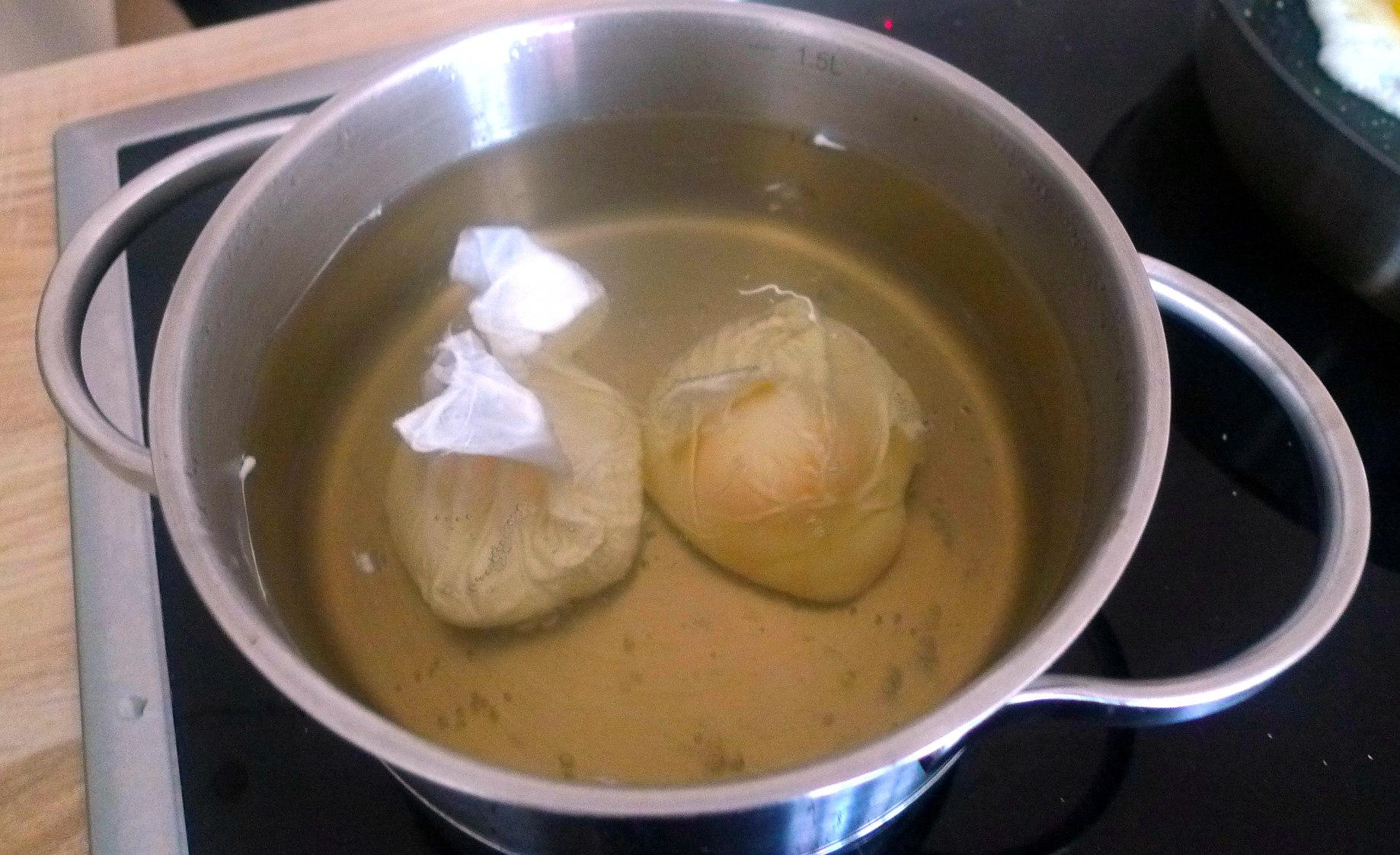 schwabischer-kartoffelsalatfeldsalatpochiertes-eispiegeleivegetarisch-11