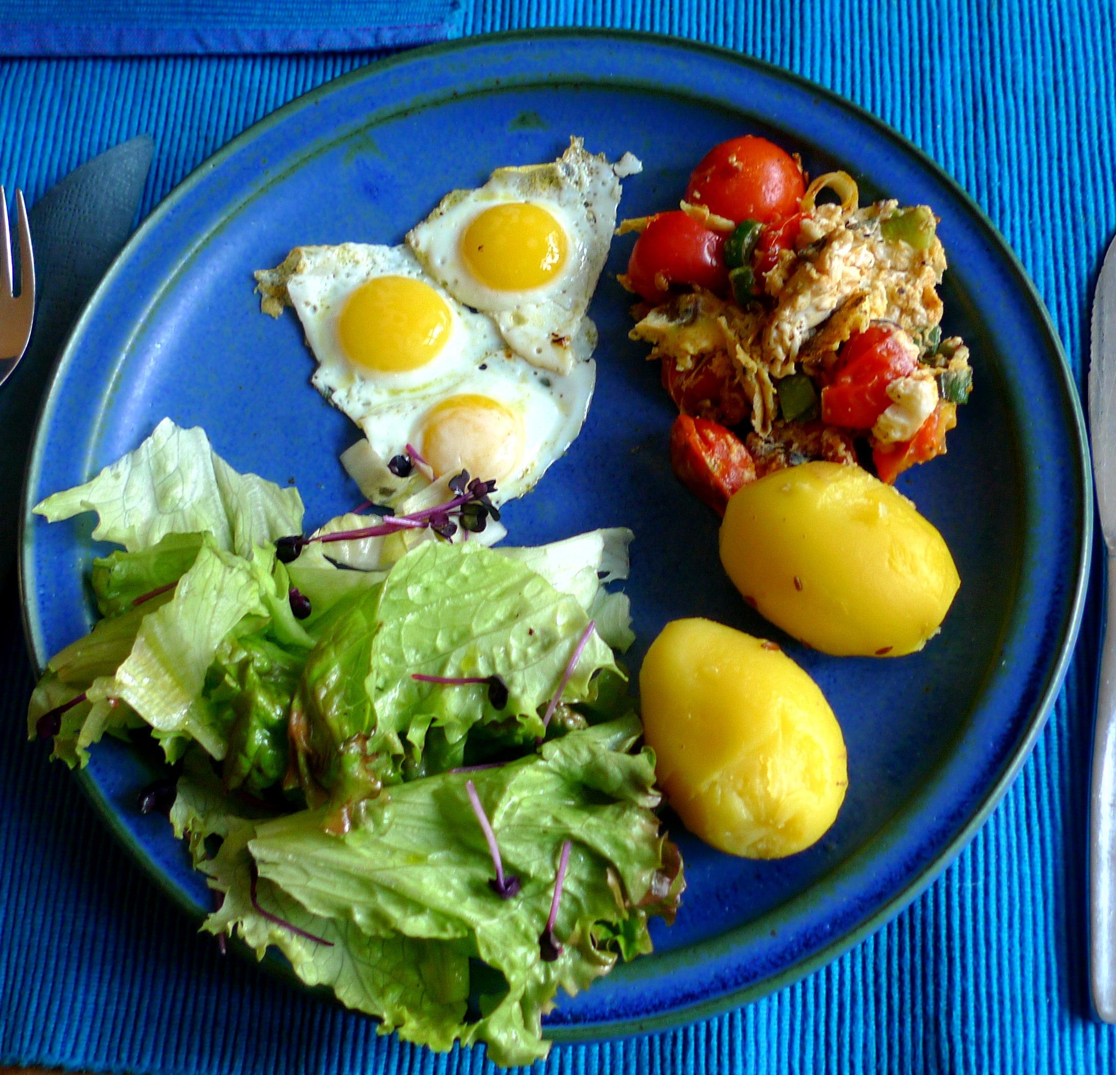 wachtel-spiegeleiruhreipellkartoffelsalat-1