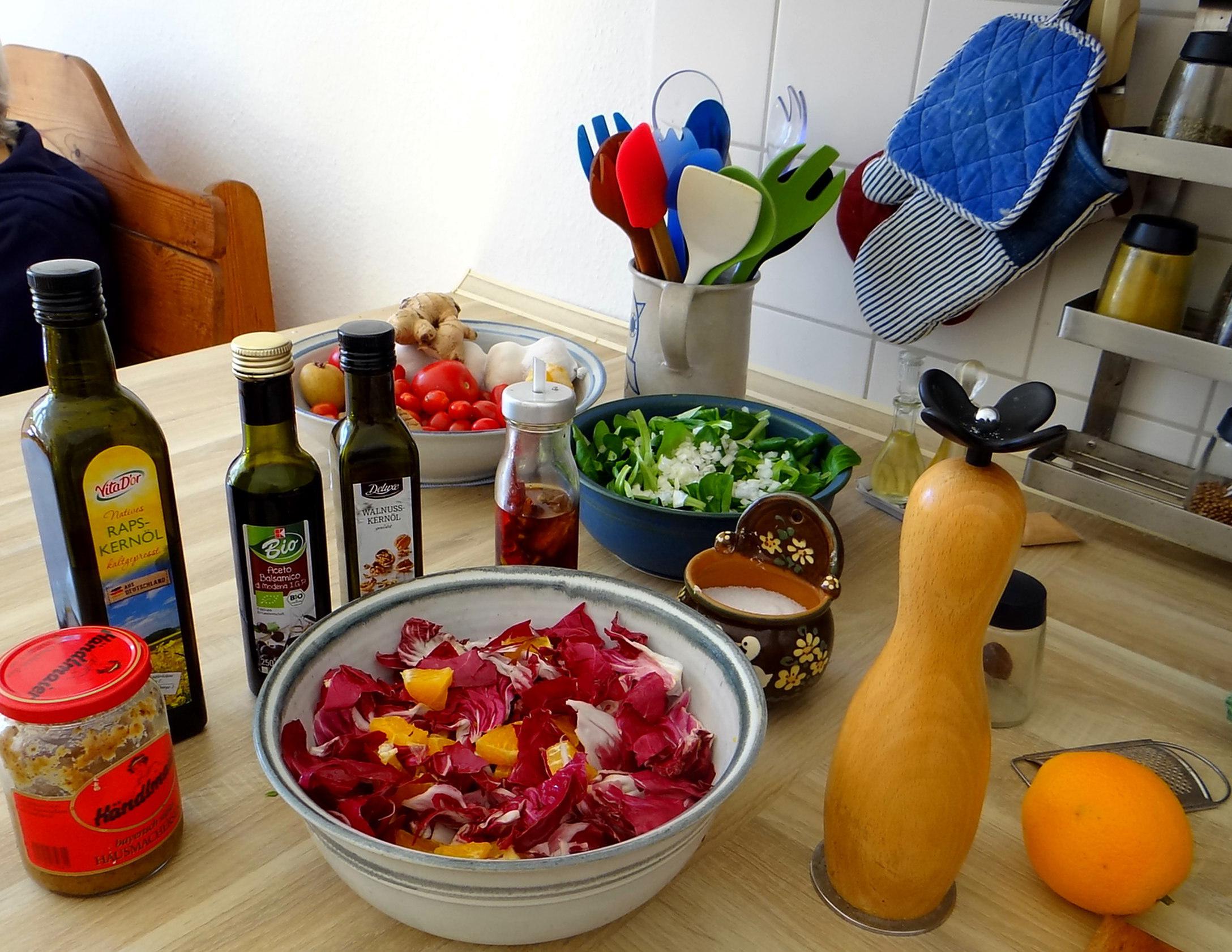 Kartoffelbrei,Salate,Spiegelei (15)