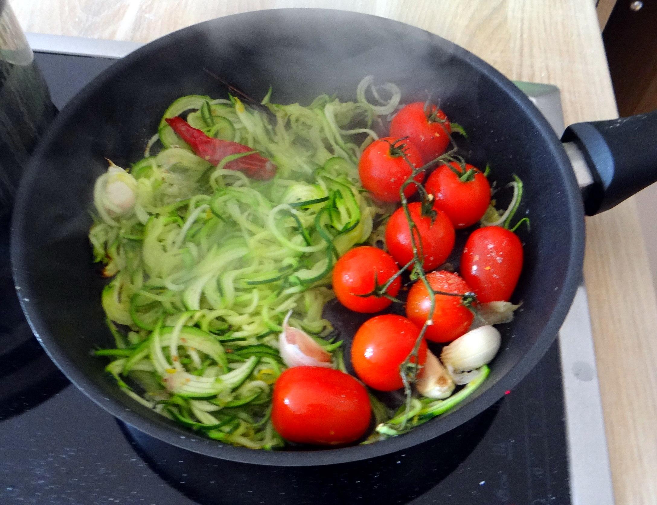 schollezucchini-spaghettitomatesalat-15