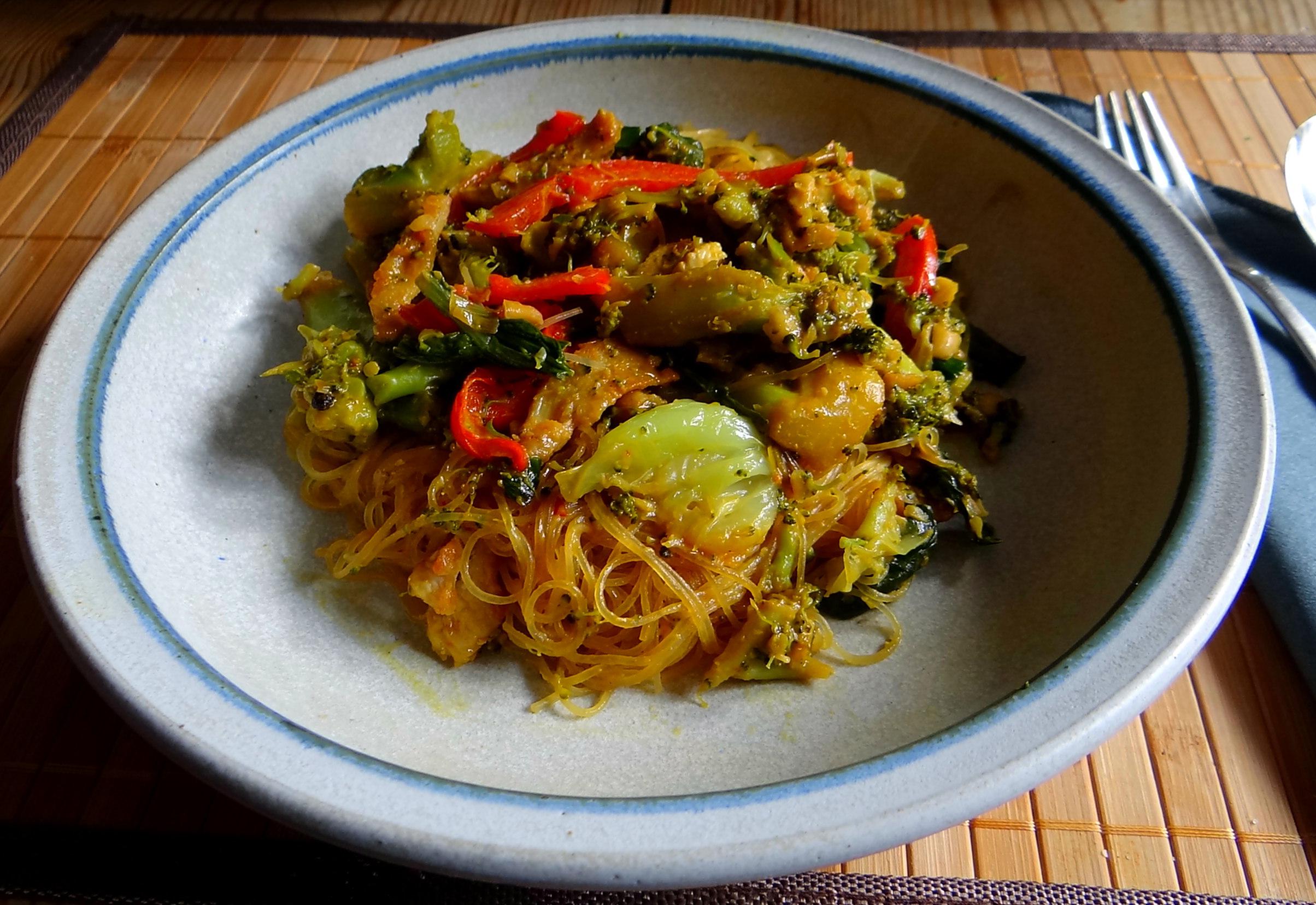 Brokkoli mit Erdnüssen und Glasnudeln (27)