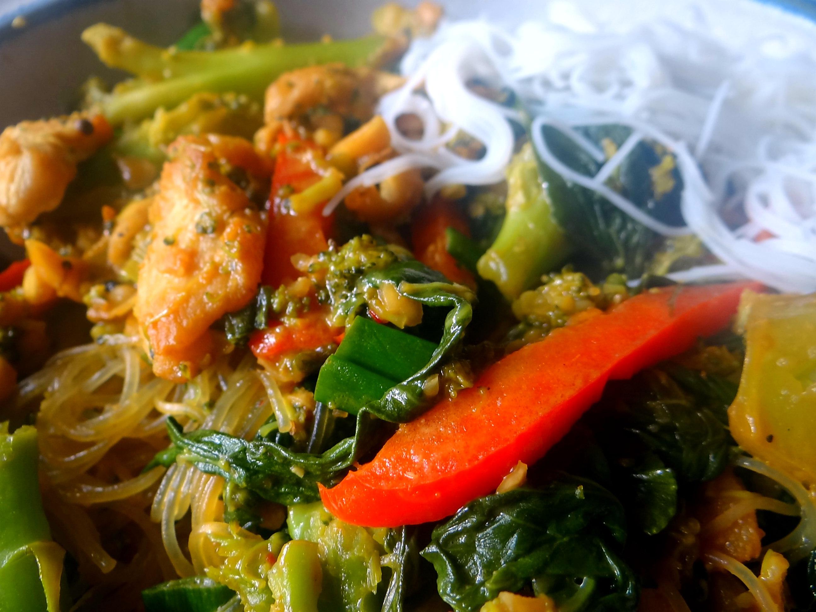 Brokkoli mit Erdnüssen und Glasnudeln (5)
