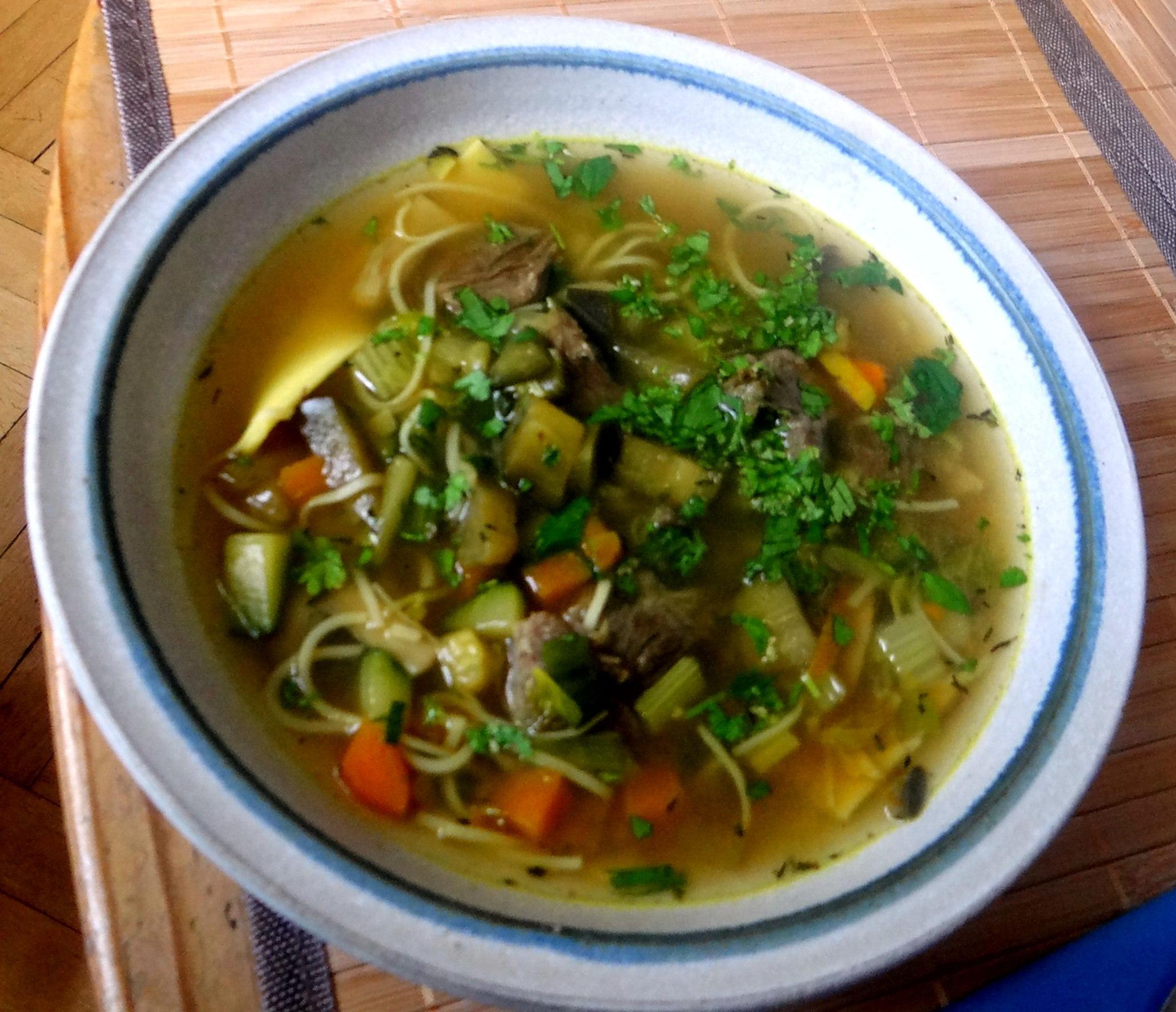 Gemüsesuppe mit Nudeln (1b)