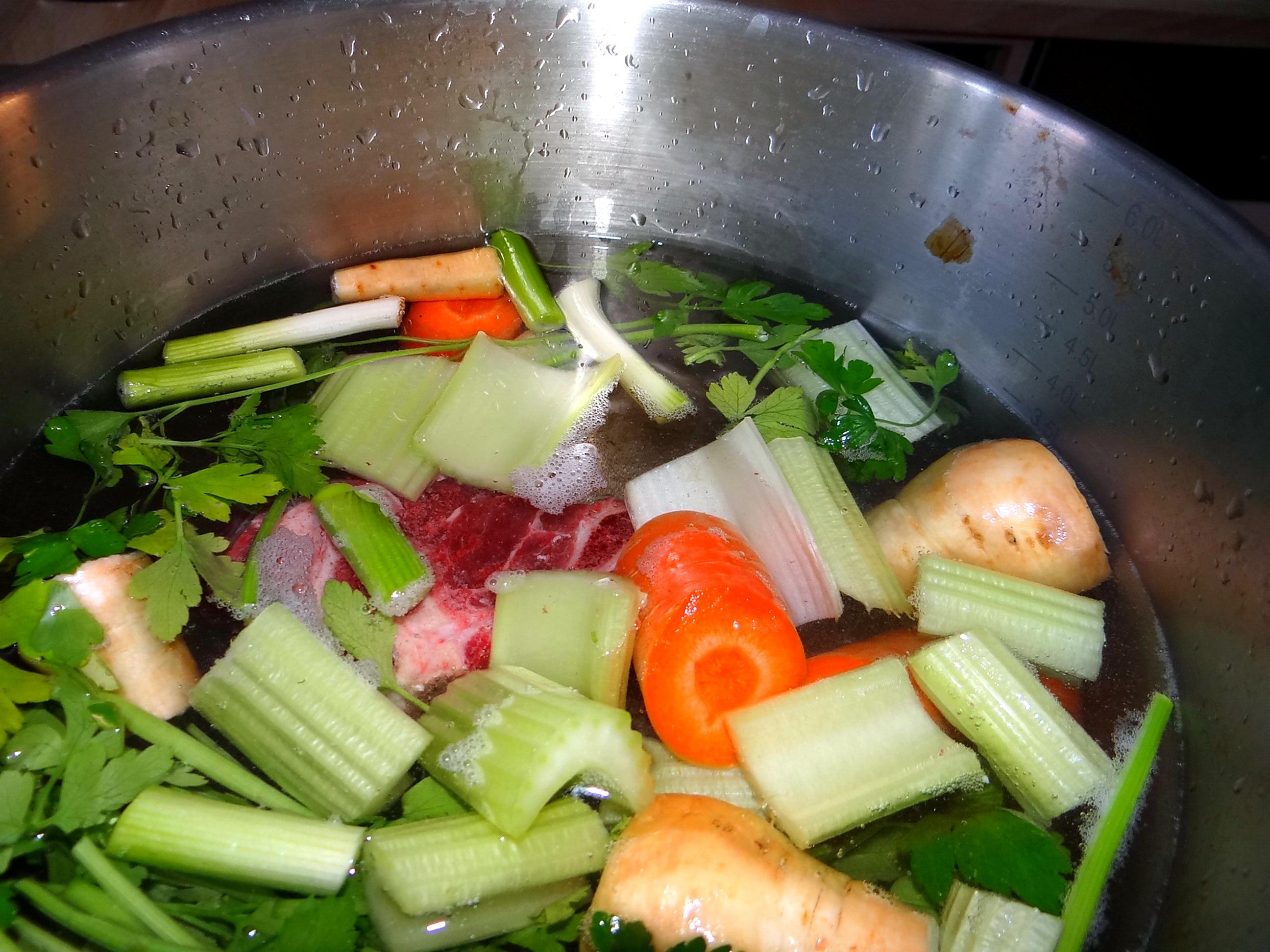 Gemüsesuppe mit Nudeln (2)