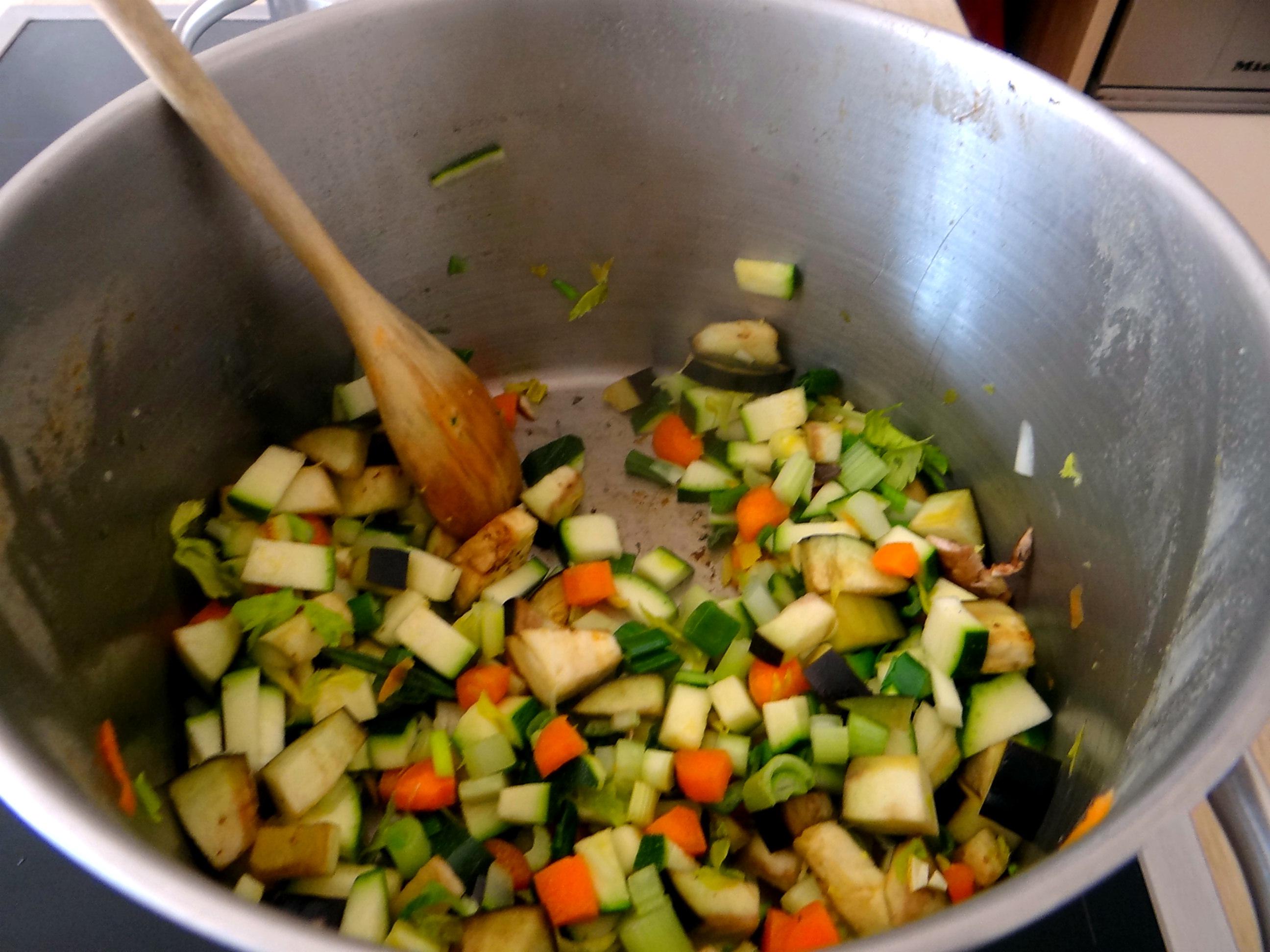 Gemüsesuppe mit Nudeln (6)