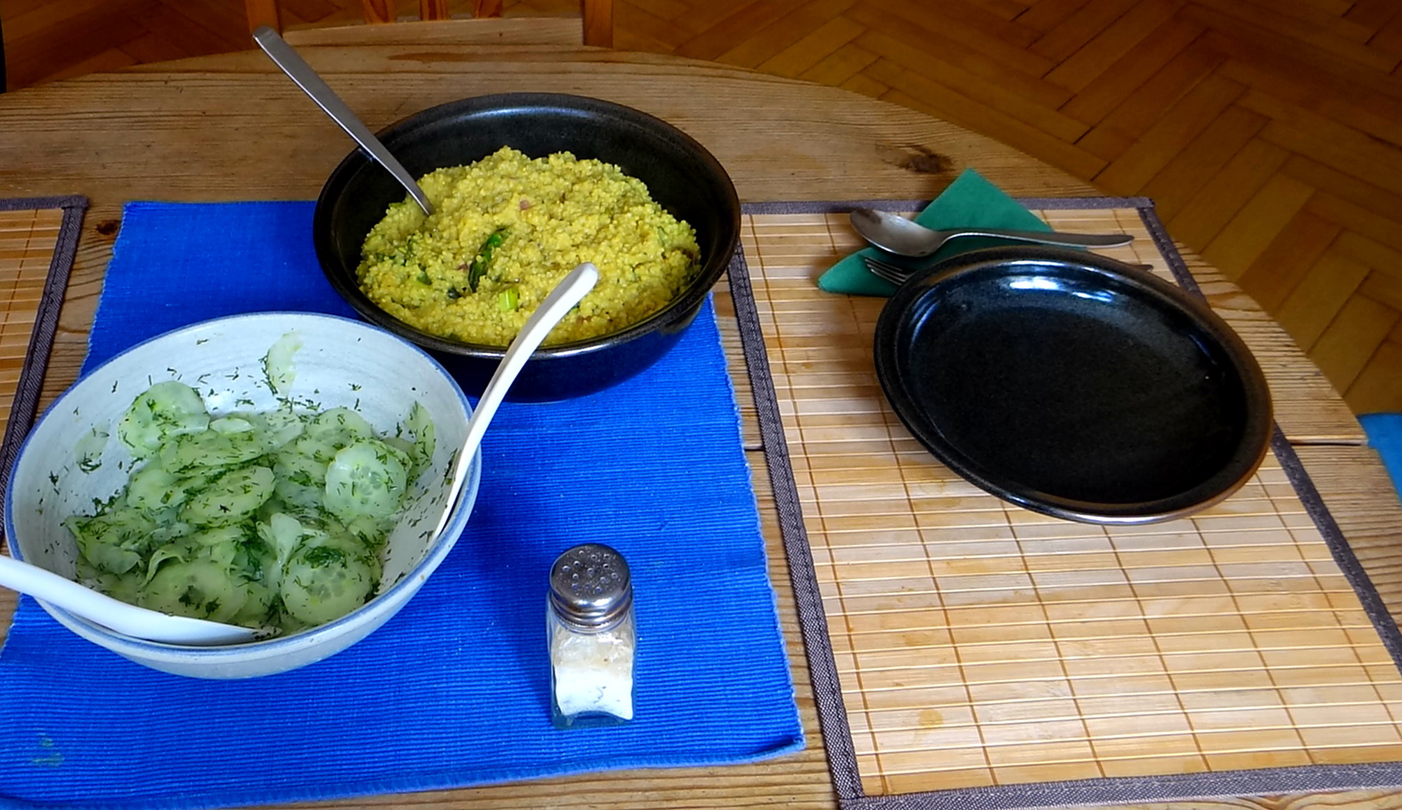 Hirsotto mit grünem Spargel,Gurkensalat (14)