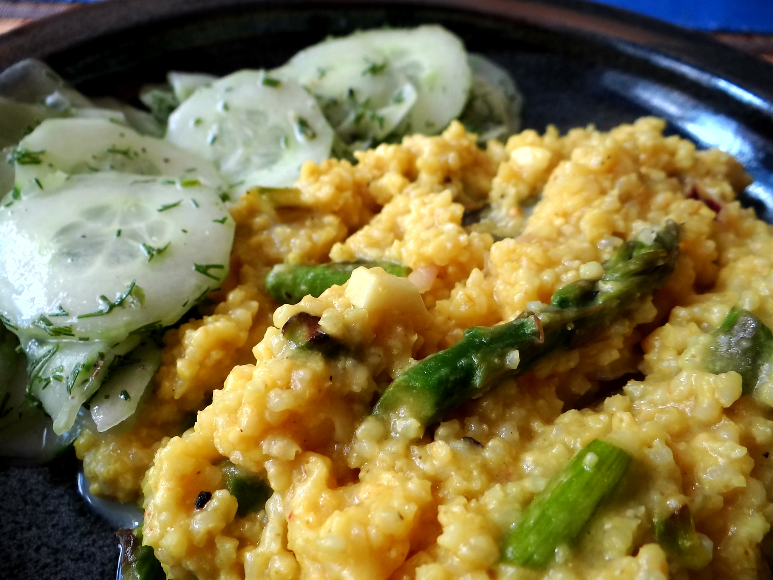 Hirsotto mit grünem Spargel,Gurkensalat (4)