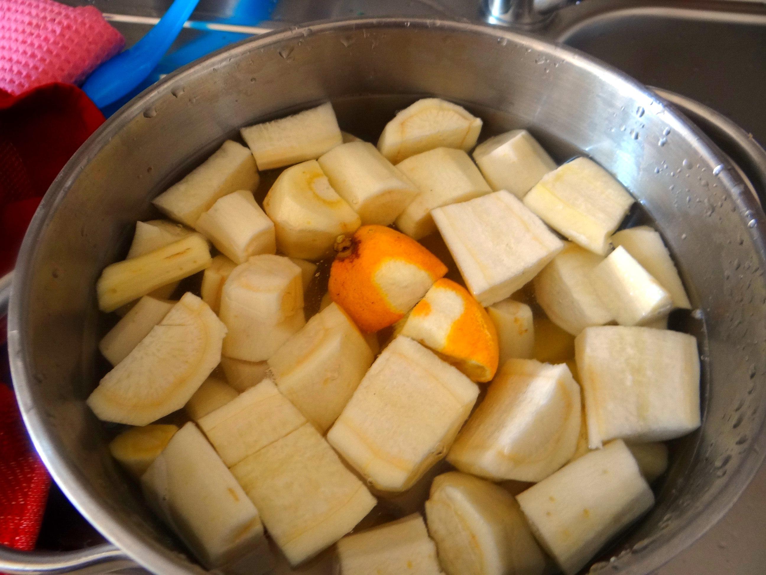 Kartoffel-Pastinaken Stampf,Kalbsleber,Spargel,pochiertes Ei,Endivien Salat (5)
