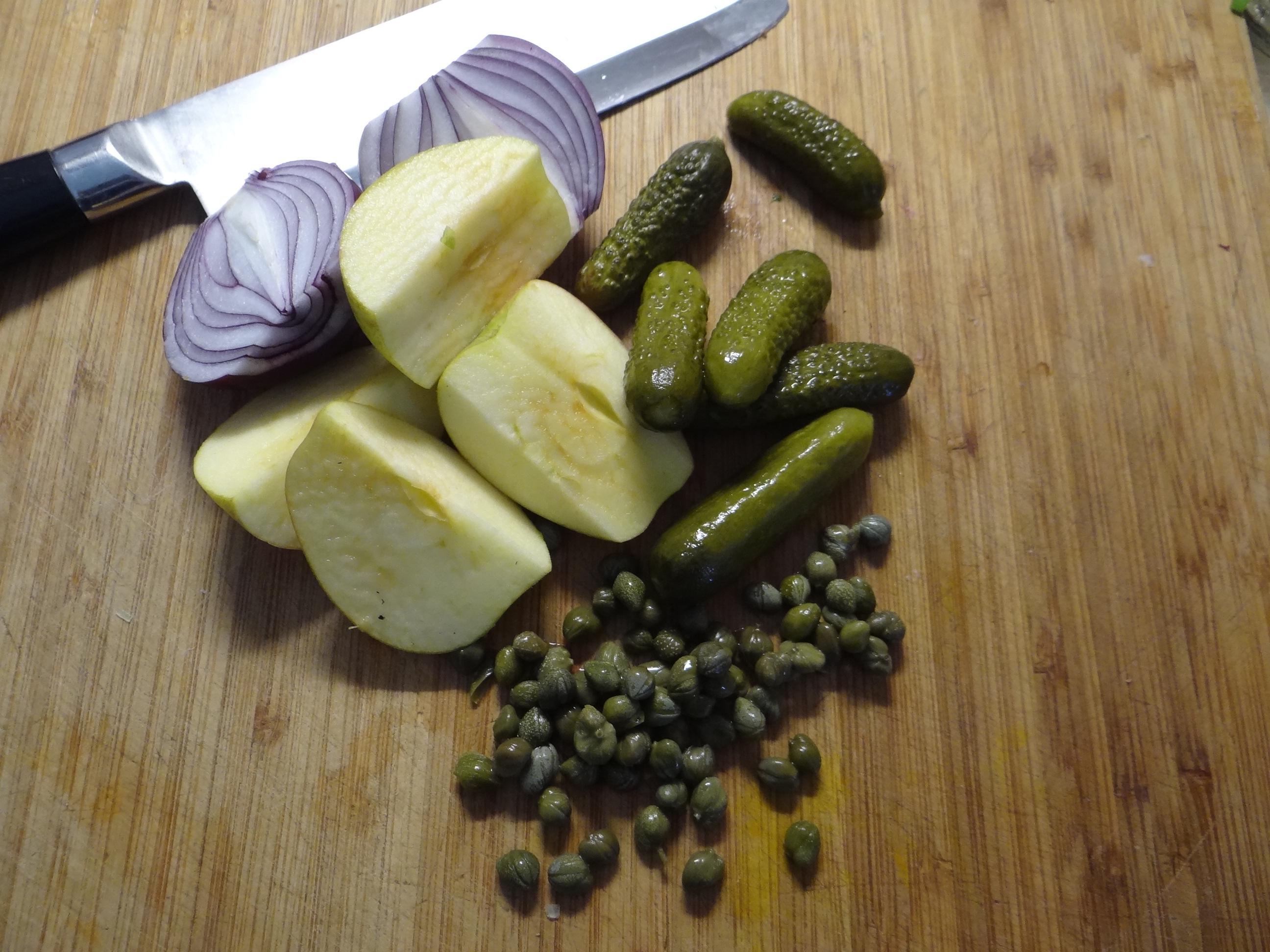 Matjes Tatar,Salate,Pellkartoffeln (6)