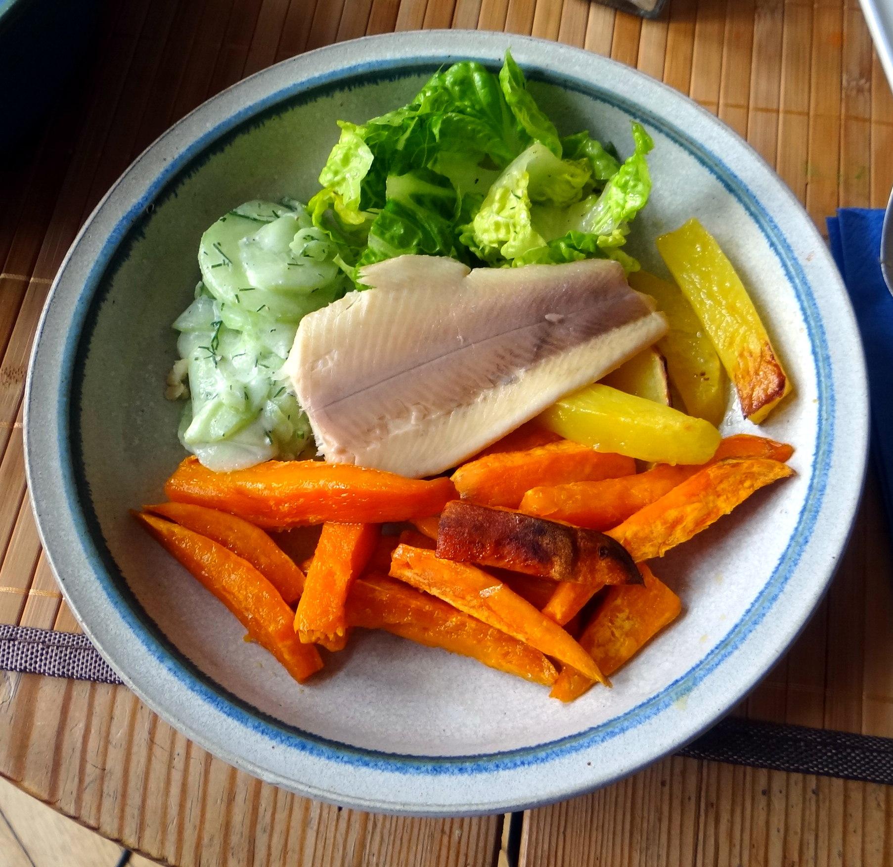 Süßkartoffel Pommes,Salate,Obszsalat (1)
