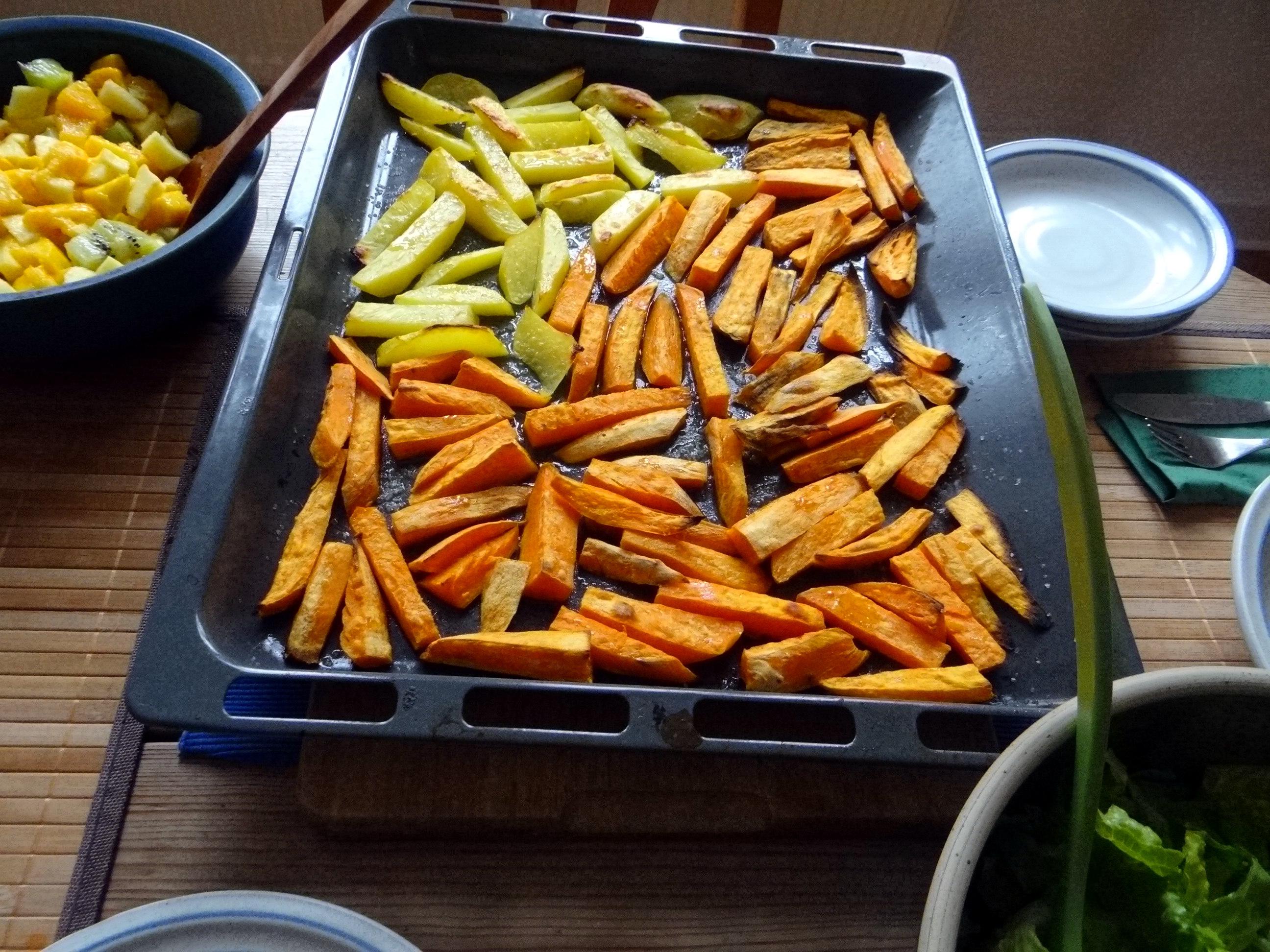 Süßkartoffel Pommes,Salate,Obszsalat (9)