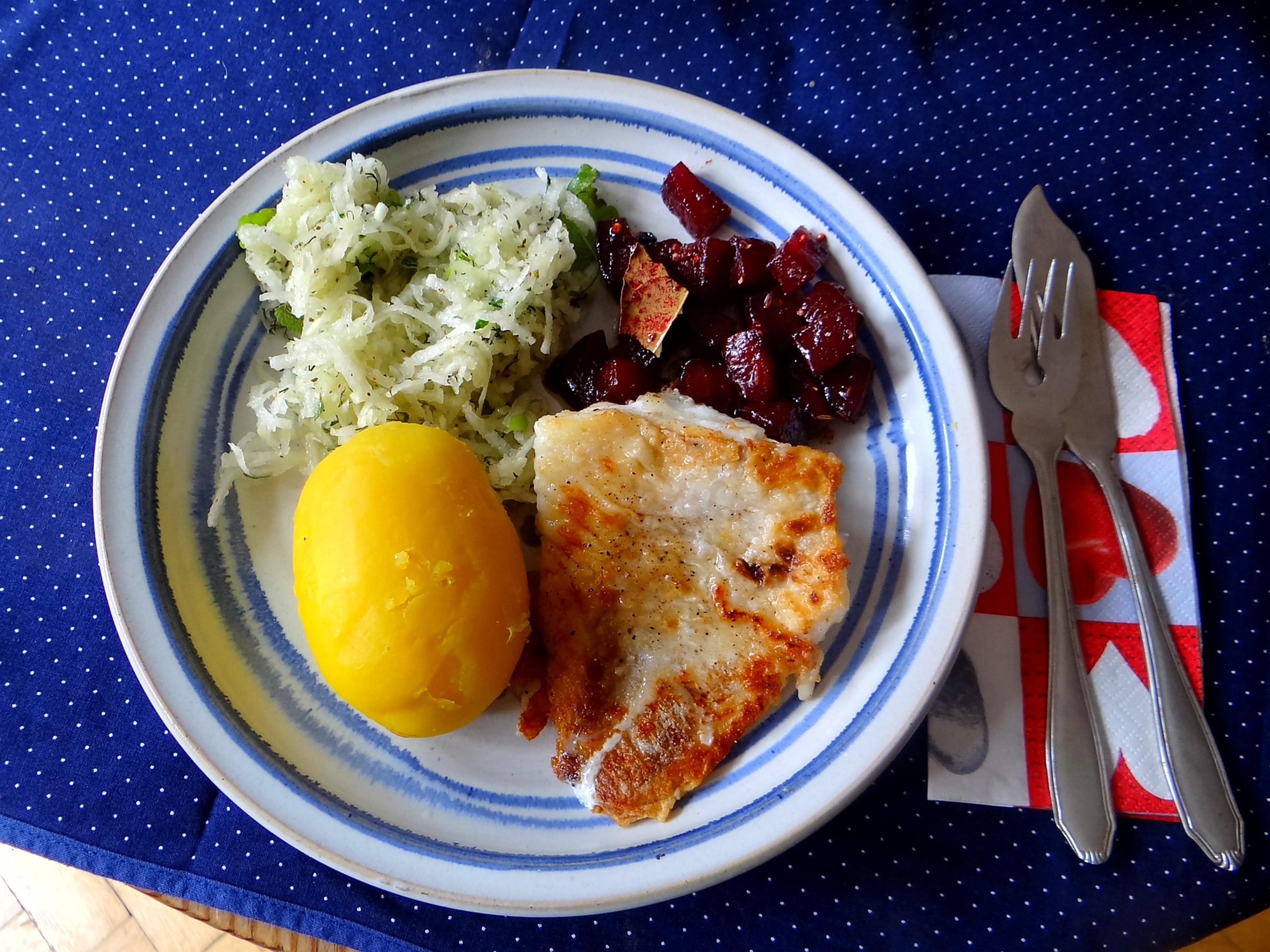 Kabelja,Rote Beete Gemüse,Kohlrabisalat,Pellkartoffel (9)