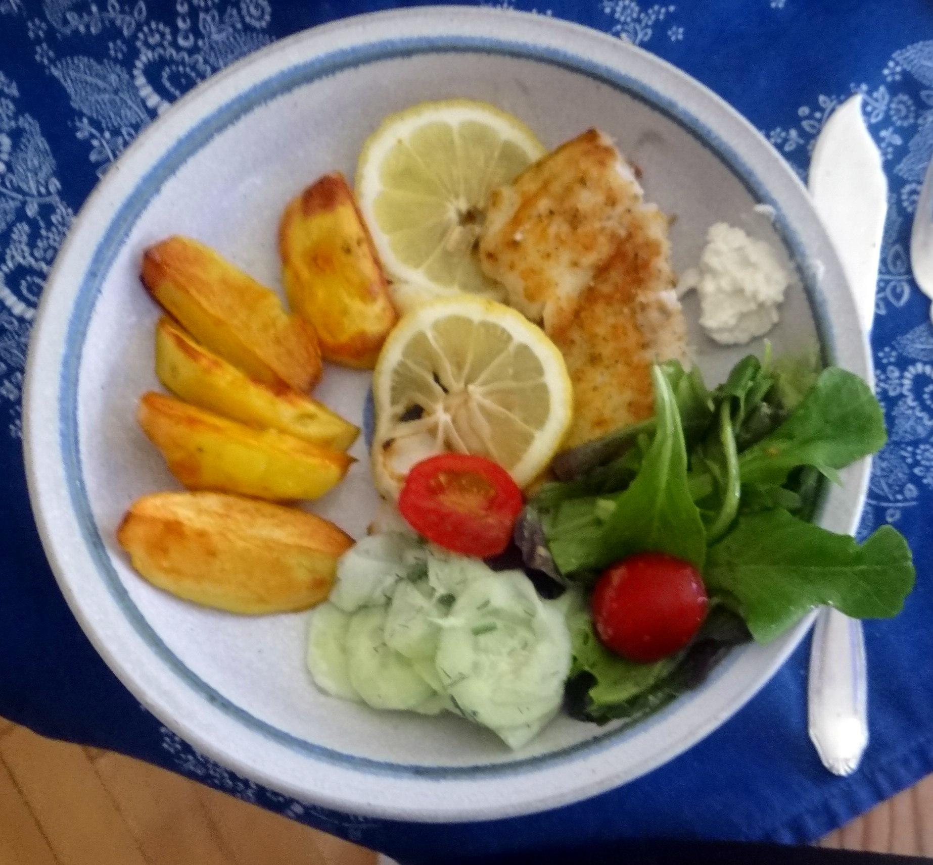 Kabeljau,Salate,Ofenkartoffeln (1)