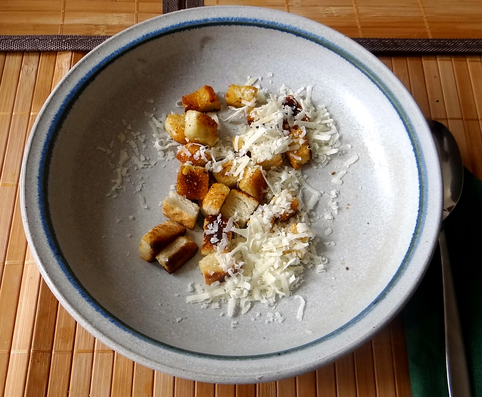 Minestra mit Bleichsellerie un Paprika,Obstsalat,vegetarisch (14)