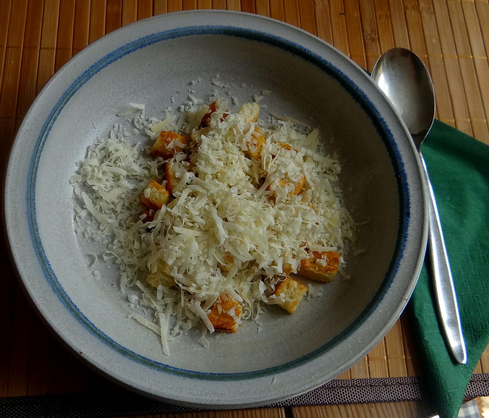 Minestra mit Bleichsellerie un Paprika,Obstsalat,vegetarisch (15)