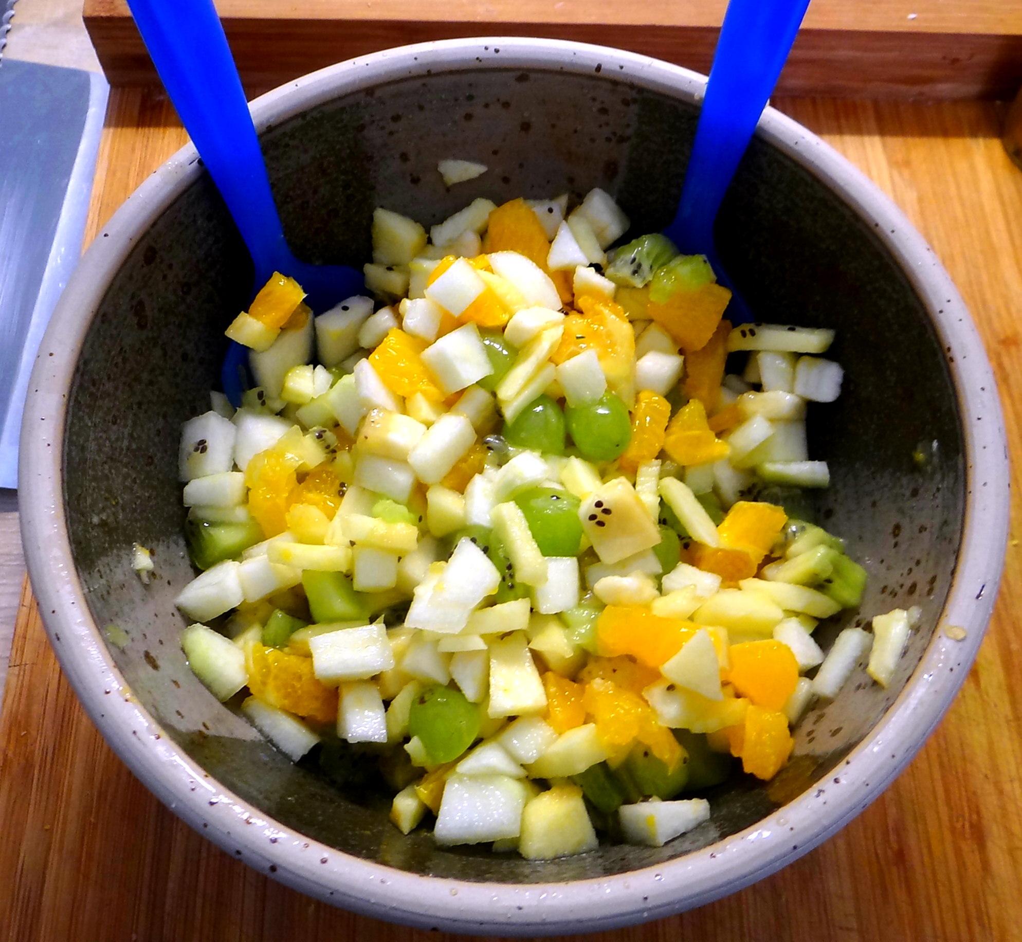 Minestra mit Bleichsellerie un Paprika,Obstsalat,vegetarisch (23)