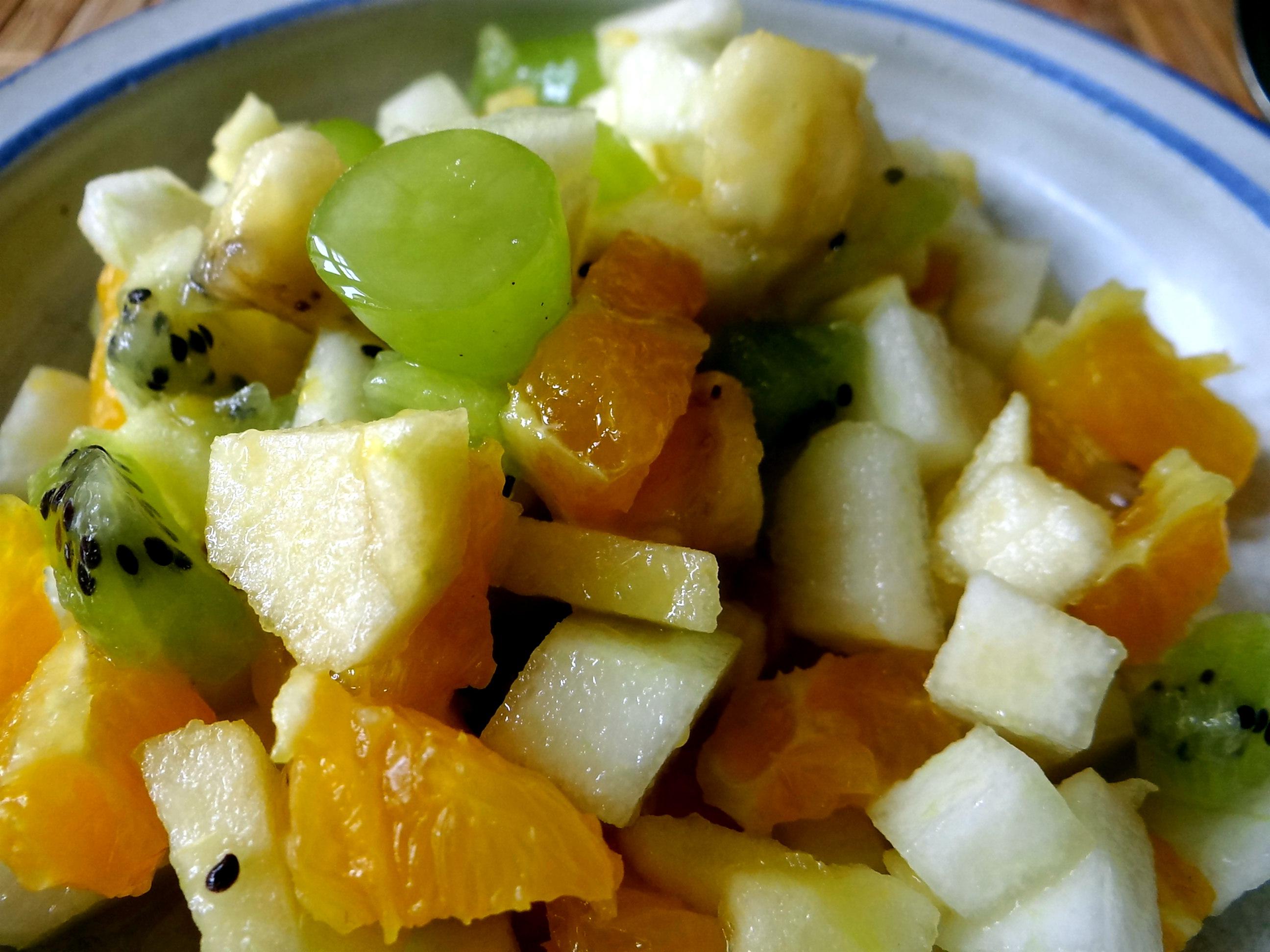 Minestra mit Bleichsellerie un Paprika,Obstsalat,vegetarisch (26)
