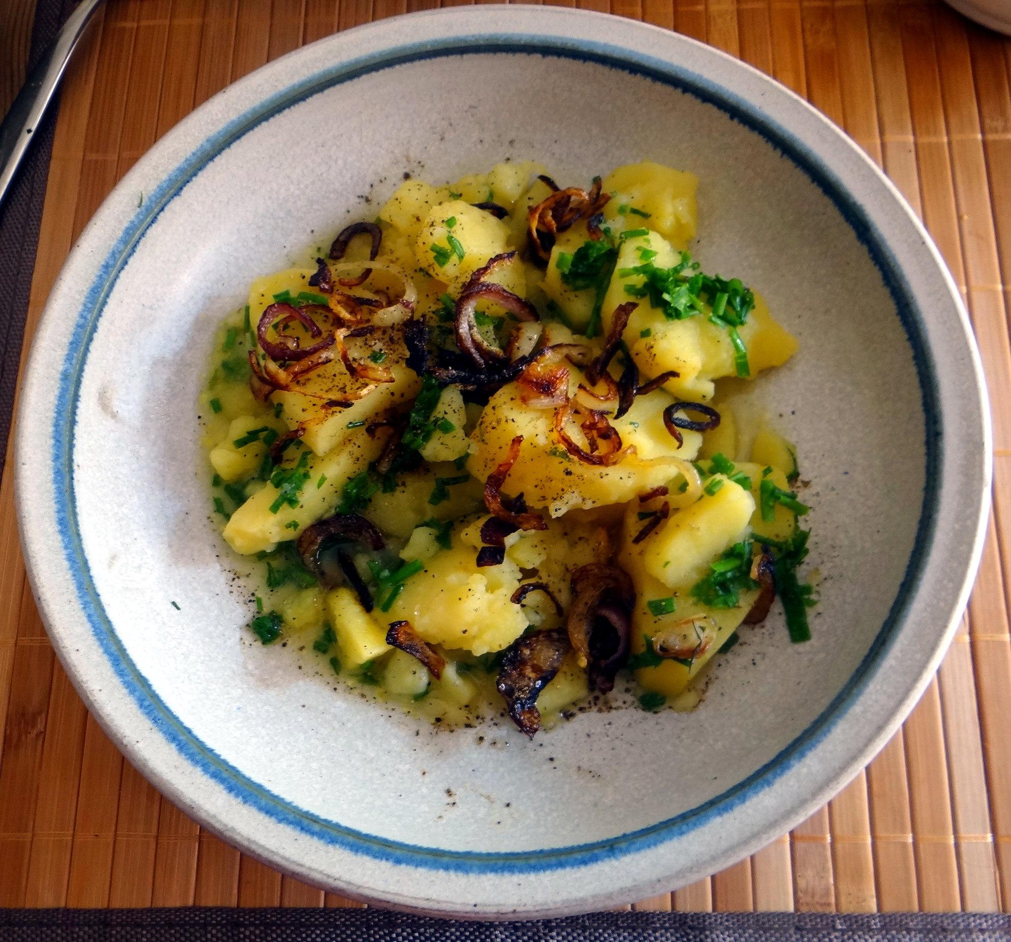 Wildkräuter Salat,Boullion Kartoffeln (1)