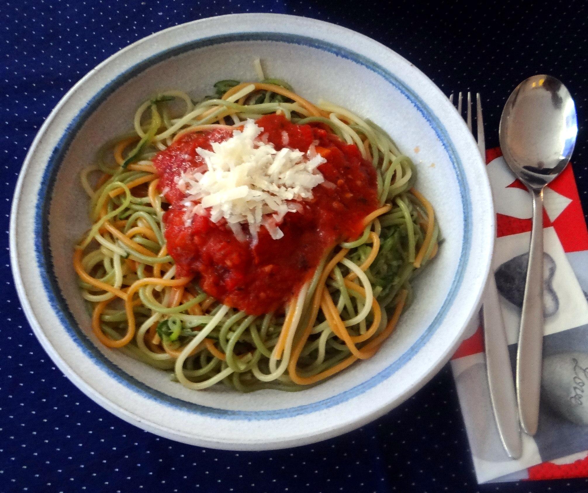 Zucchini Zoodles,Spaghetti,Tomatensauce (1)