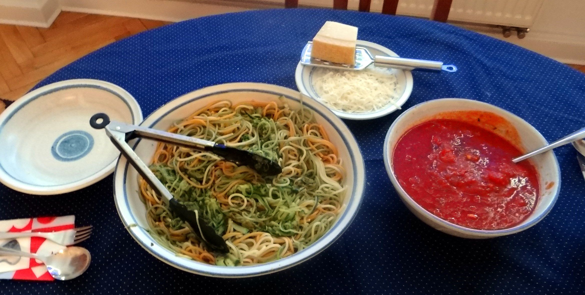 Zucchini Zoodles,Spaghetti,Tomatensauce (3)