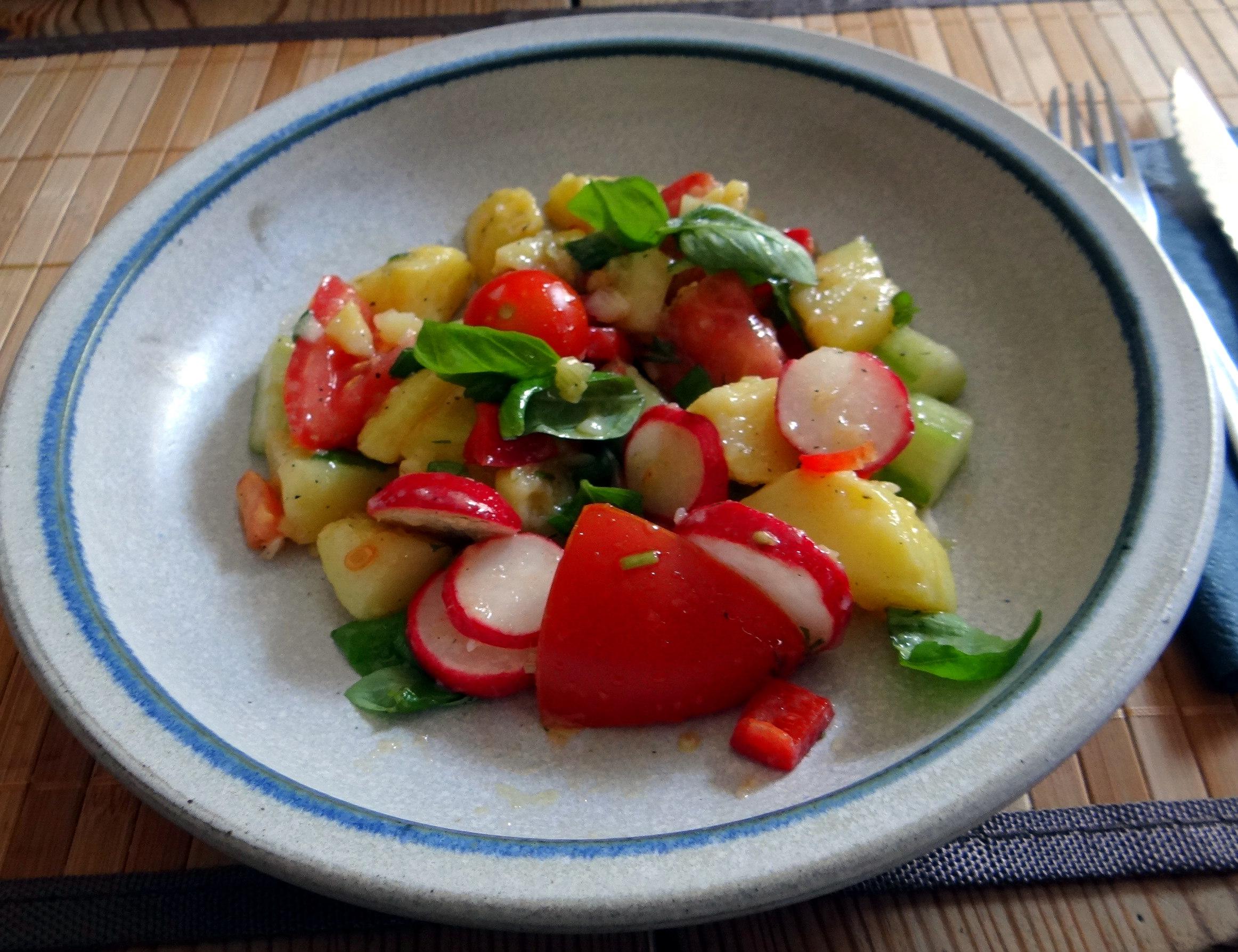 Mediterraner Kartoffelsalat,Bratwurst (1)