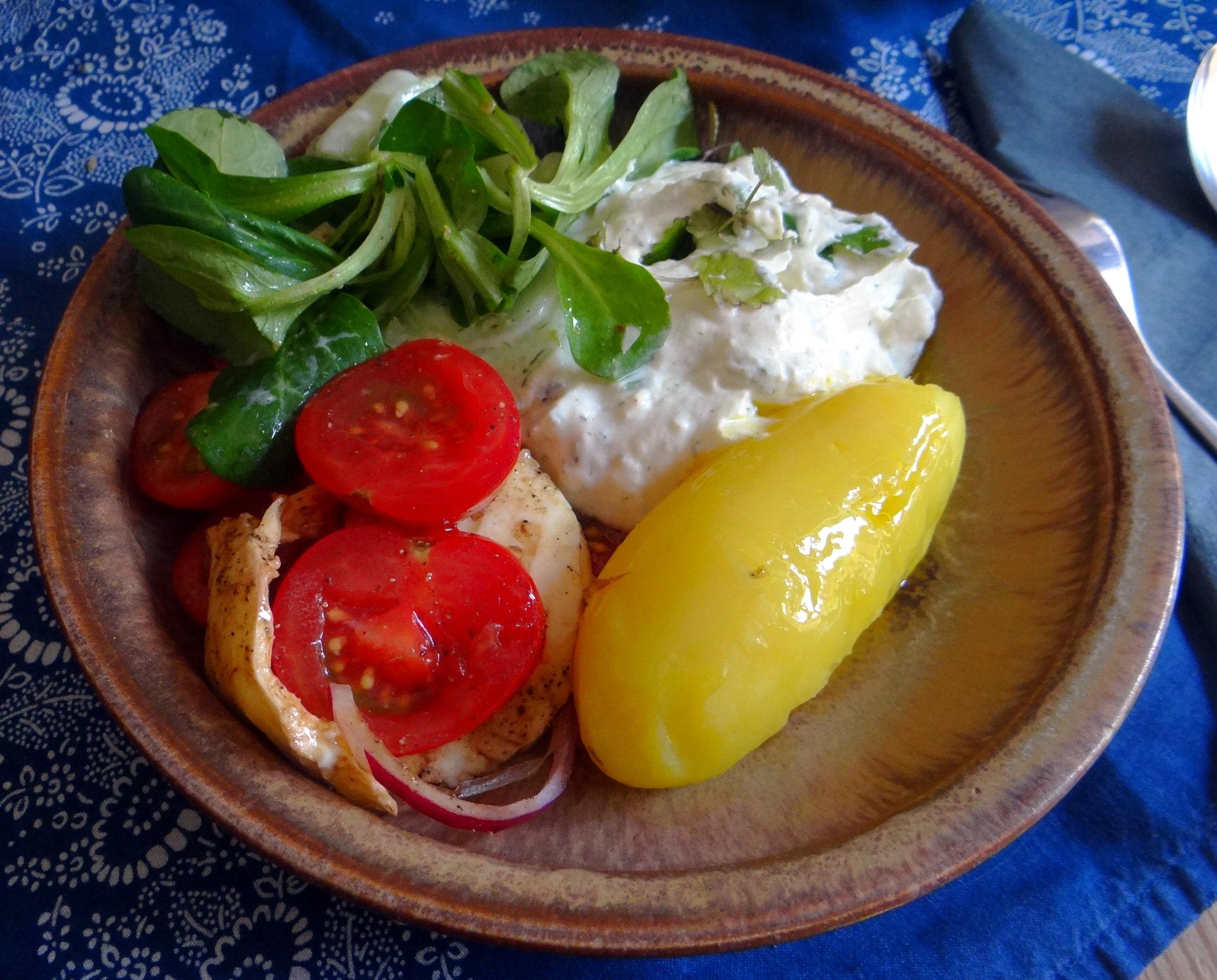 Quark,Salate,Pellkartoffeln,Obstsalat (2)