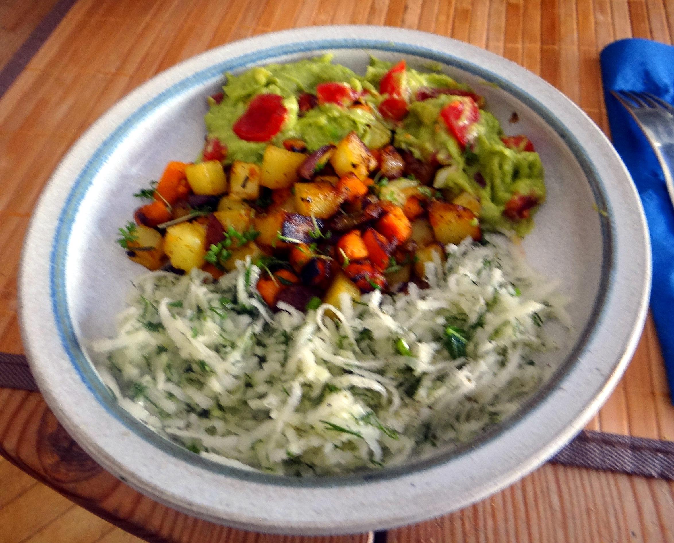 Rohgebratene Kartoffeln,Guacamole,Kohlrabisalat,Zitronenmuffins, , (1)