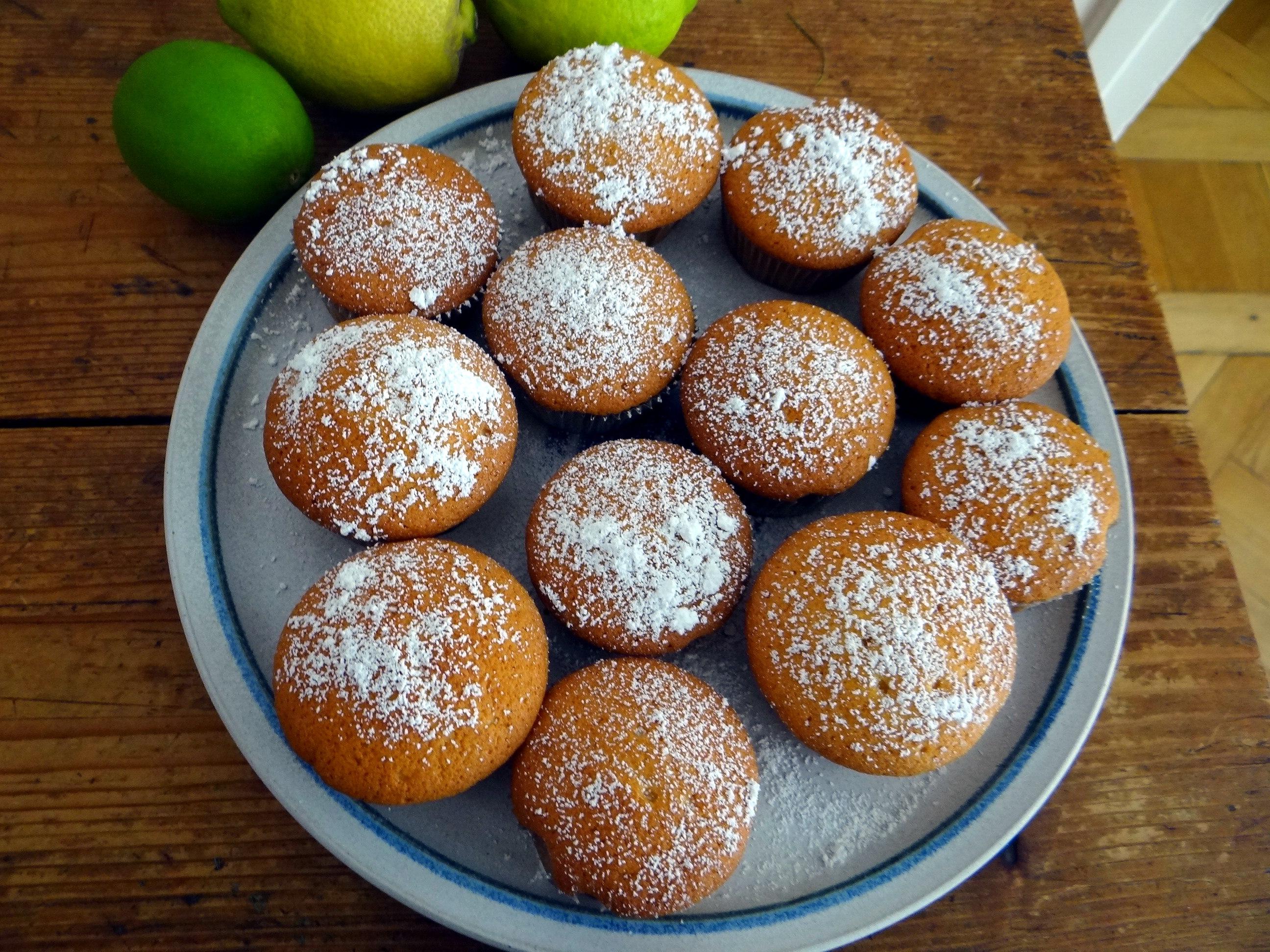 Rohgebratene Kartoffeln,Guacamole,Kohlrabisalat,Zitronenmuffins, , (22)